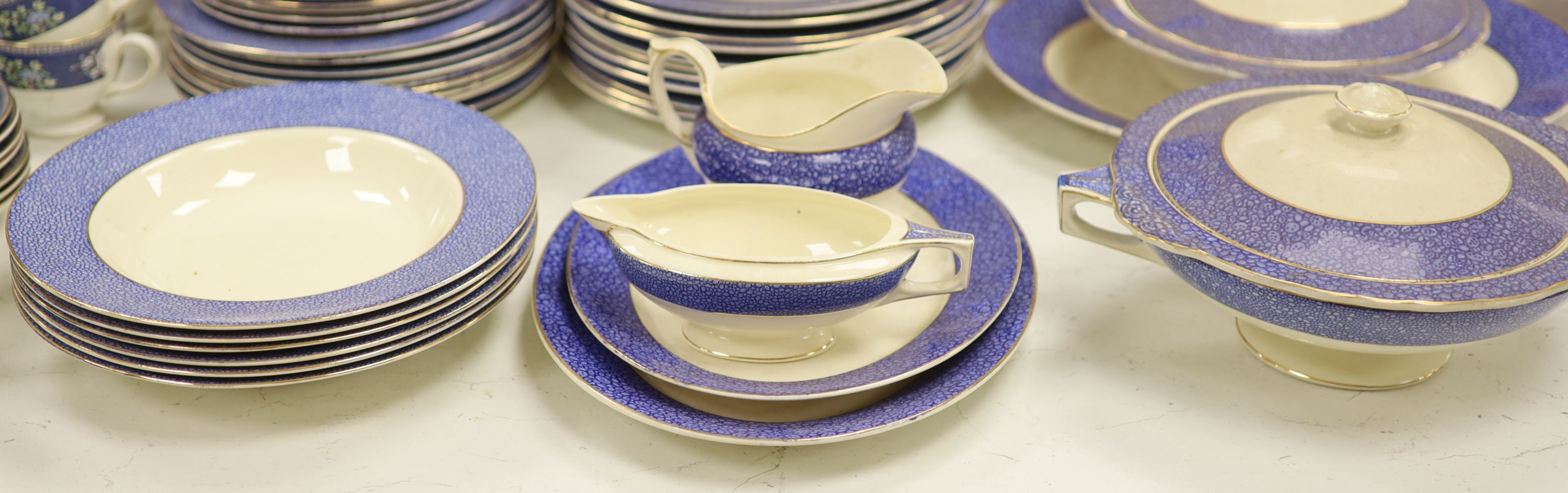 A Wedgwood 'Blue Siam' pattern part dinner service and other mixed ceramics - Image 7 of 8