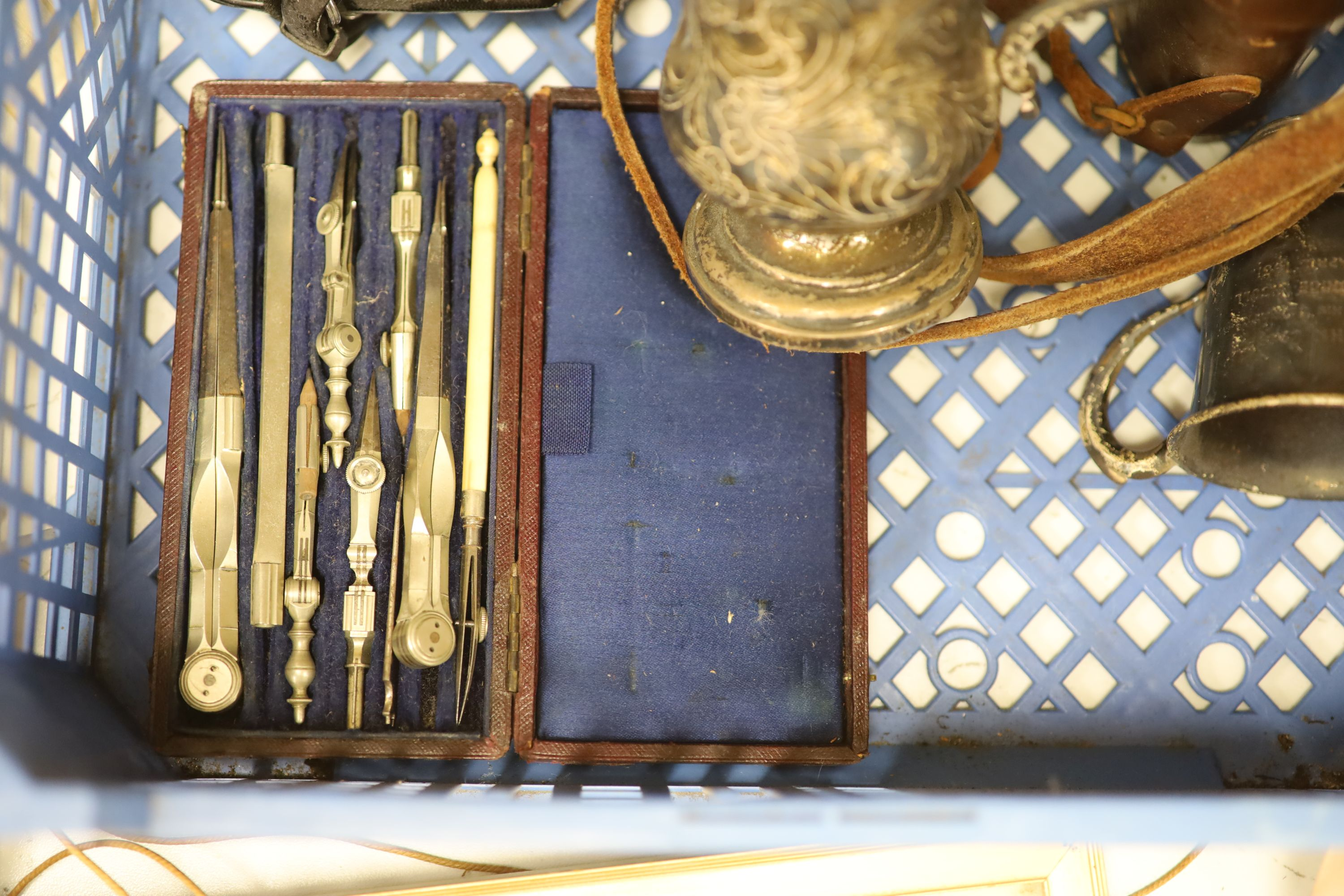 A quantity of mixed collectables including two fans, a pottery dog, camera's etc. - Image 5 of 6