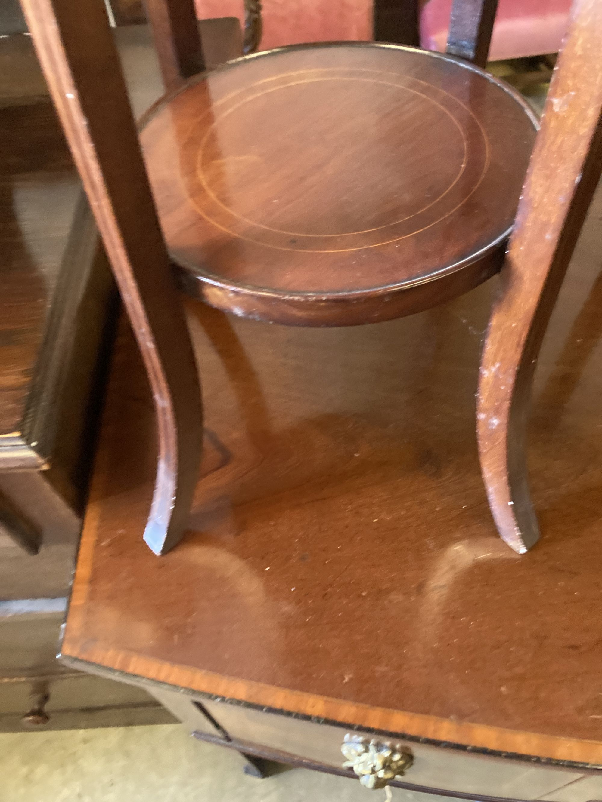 An oval marquetry inlaid mahogany occasional table, width 75cm, depth 52cm, height 50cm, together - Image 4 of 6
