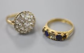 A late Victorian 18ct gold, sapphire and white paste set half hoop ring (stone missing), size M,