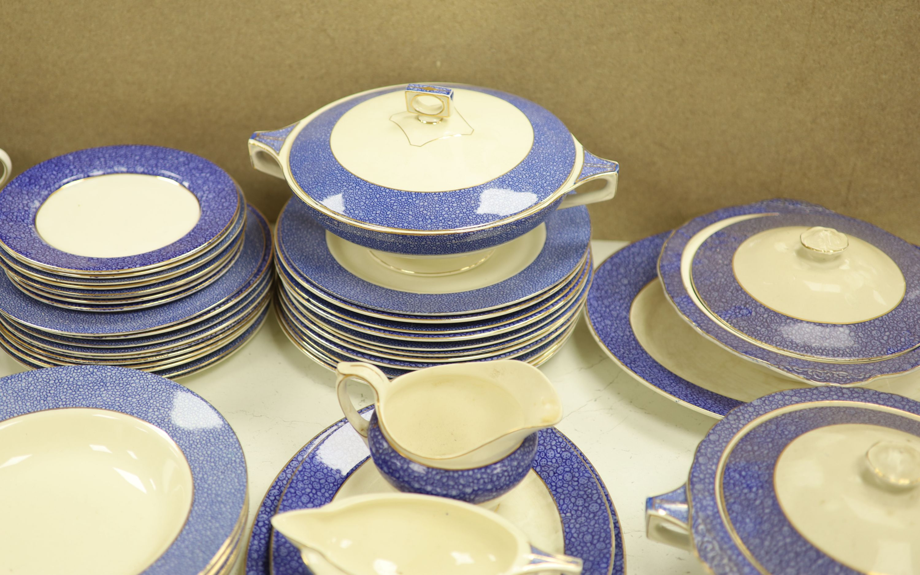 A Wedgwood 'Blue Siam' pattern part dinner service and other mixed ceramics - Image 8 of 8