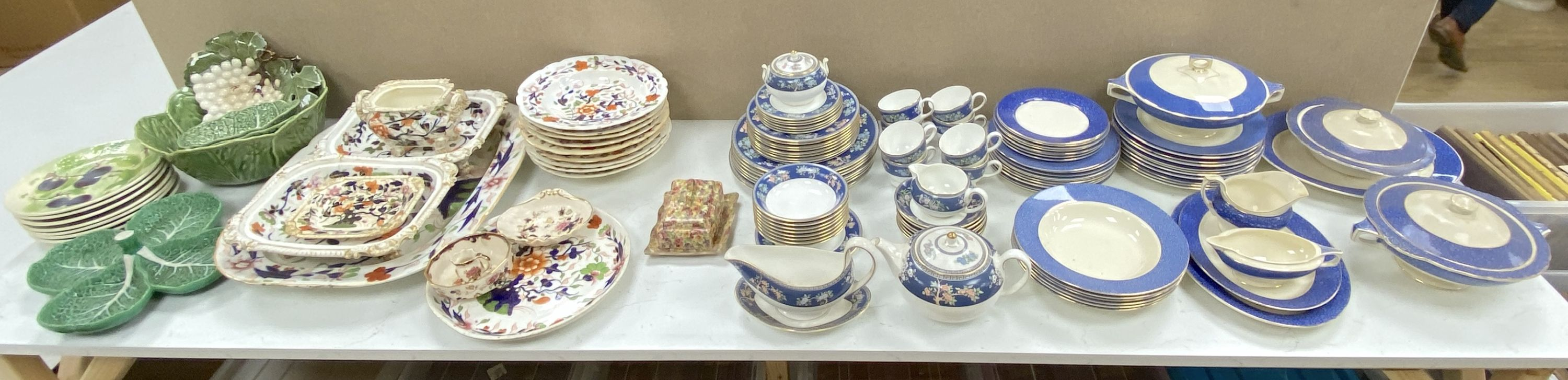 A Wedgwood 'Blue Siam' pattern part dinner service and other mixed ceramics