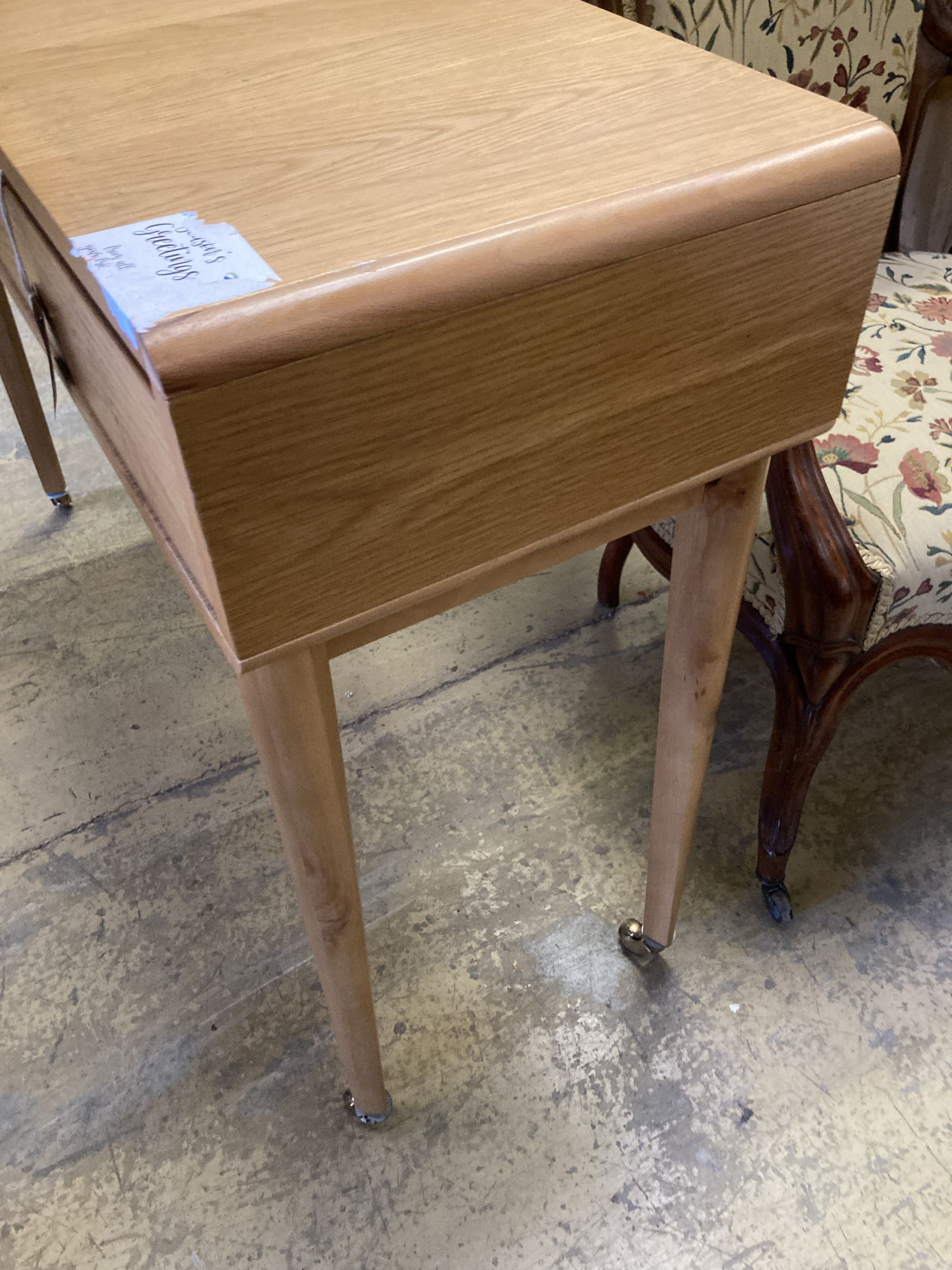 A contemporary oak two drawer side table, width 110cm, depth 35cm, height 79cm - Image 3 of 4