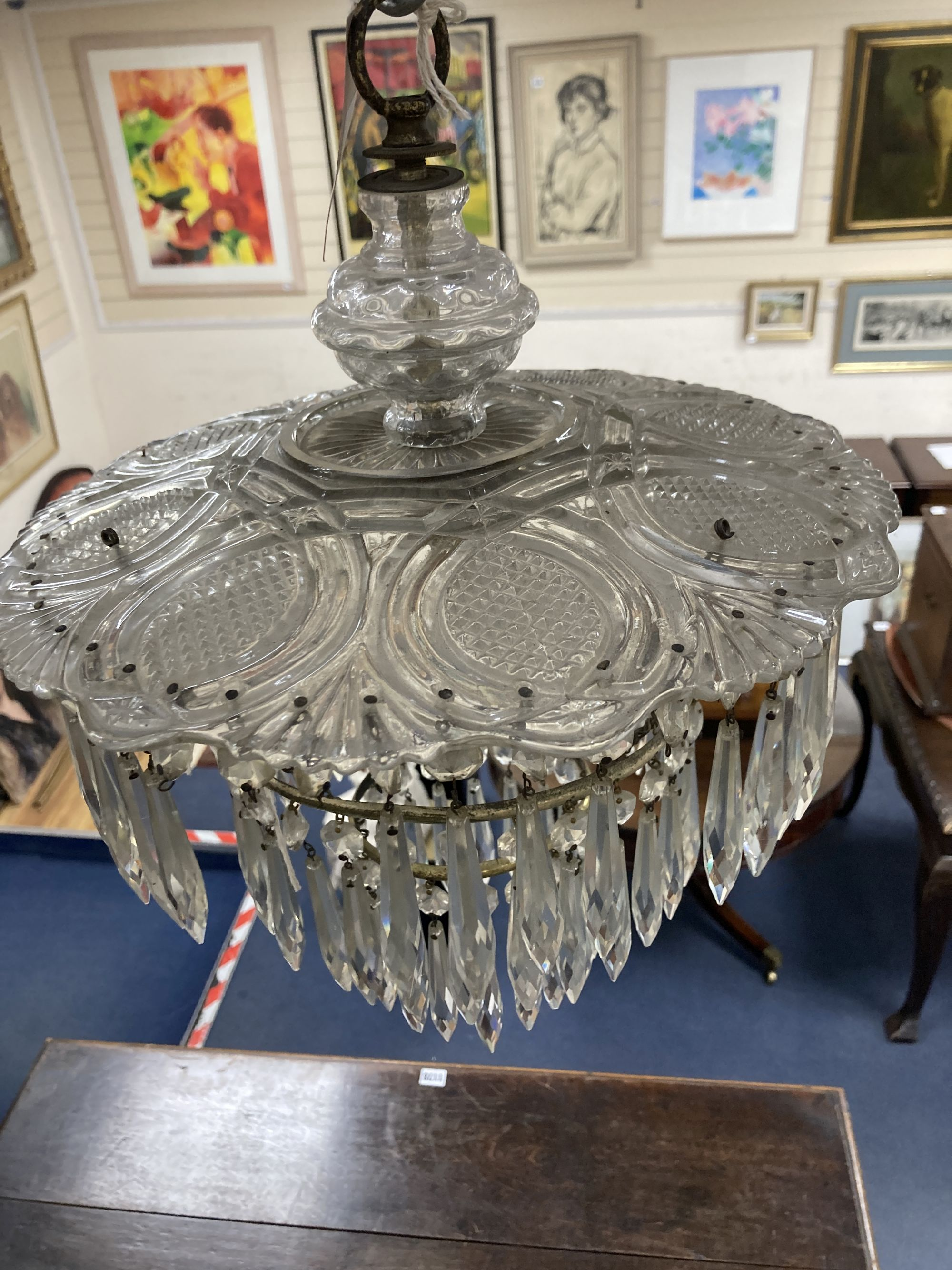 A cut glass ceiling shade - Image 2 of 4