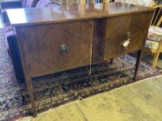 An Edwardian mahogany bow fronted sideboard, length 137cm, depth 60cm, height 91cm