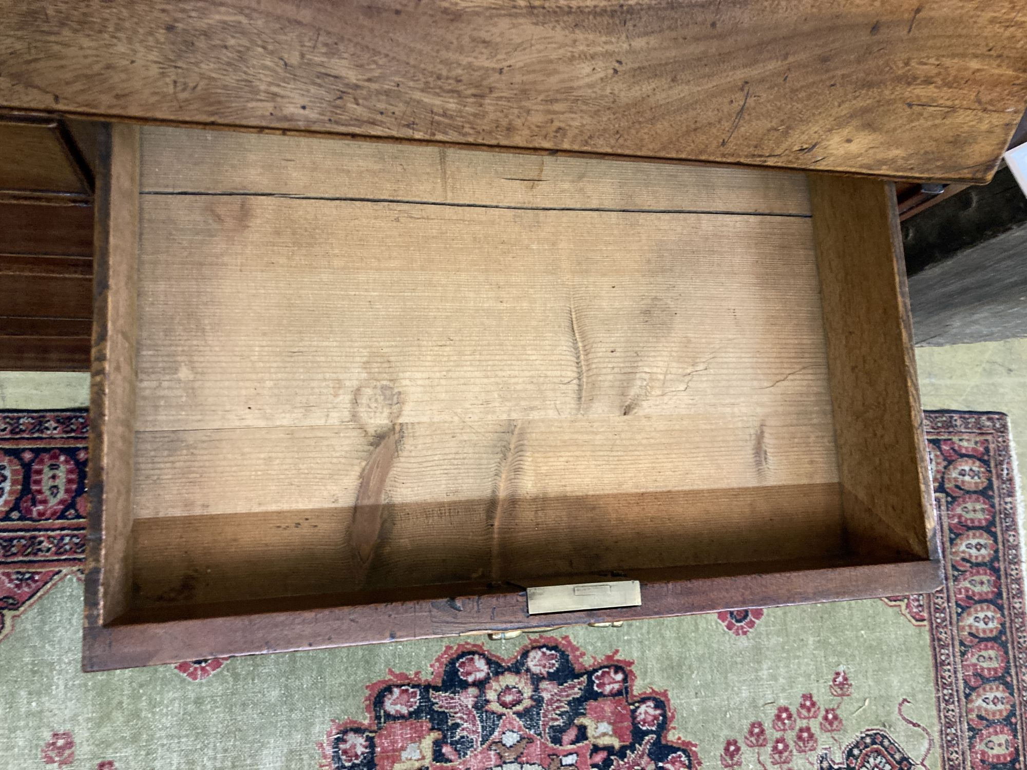 A George III mahogany bureau, width 117cm depth 51cm height 117cm - Image 3 of 3