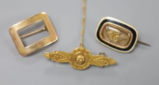 A Victorian 15ct bar brooch, 35mm, gross 2.3 grams, a 19th century yellow metal, enamel and