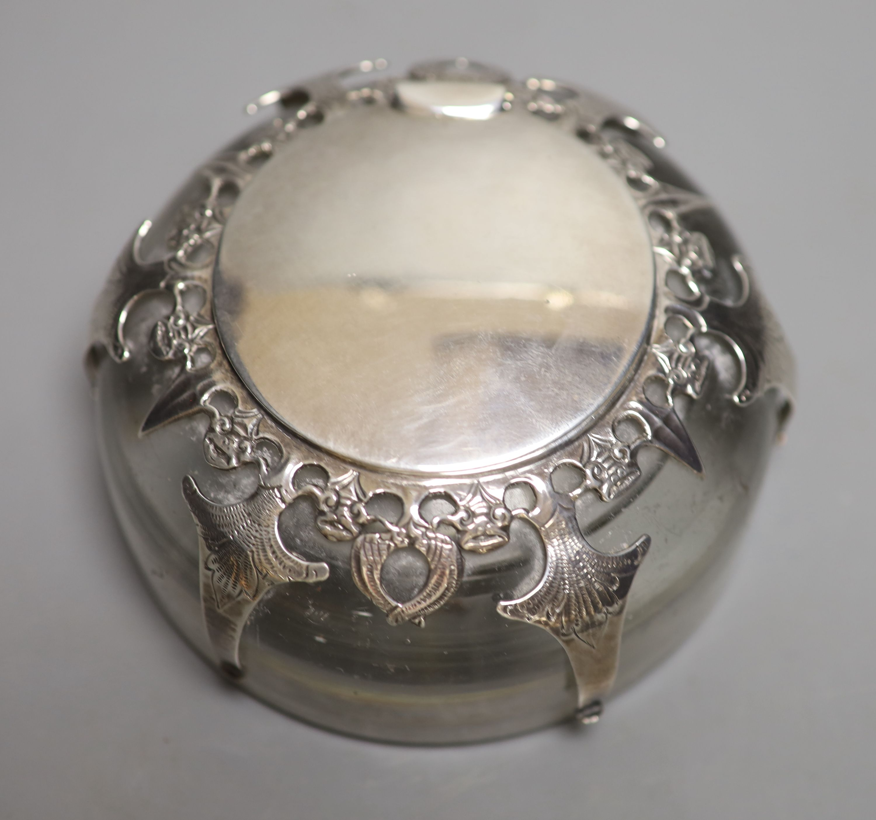 An Edwardian silver mounted domed glass inkwell, London, 1901, base diameter 12.3cm. - Image 2 of 4