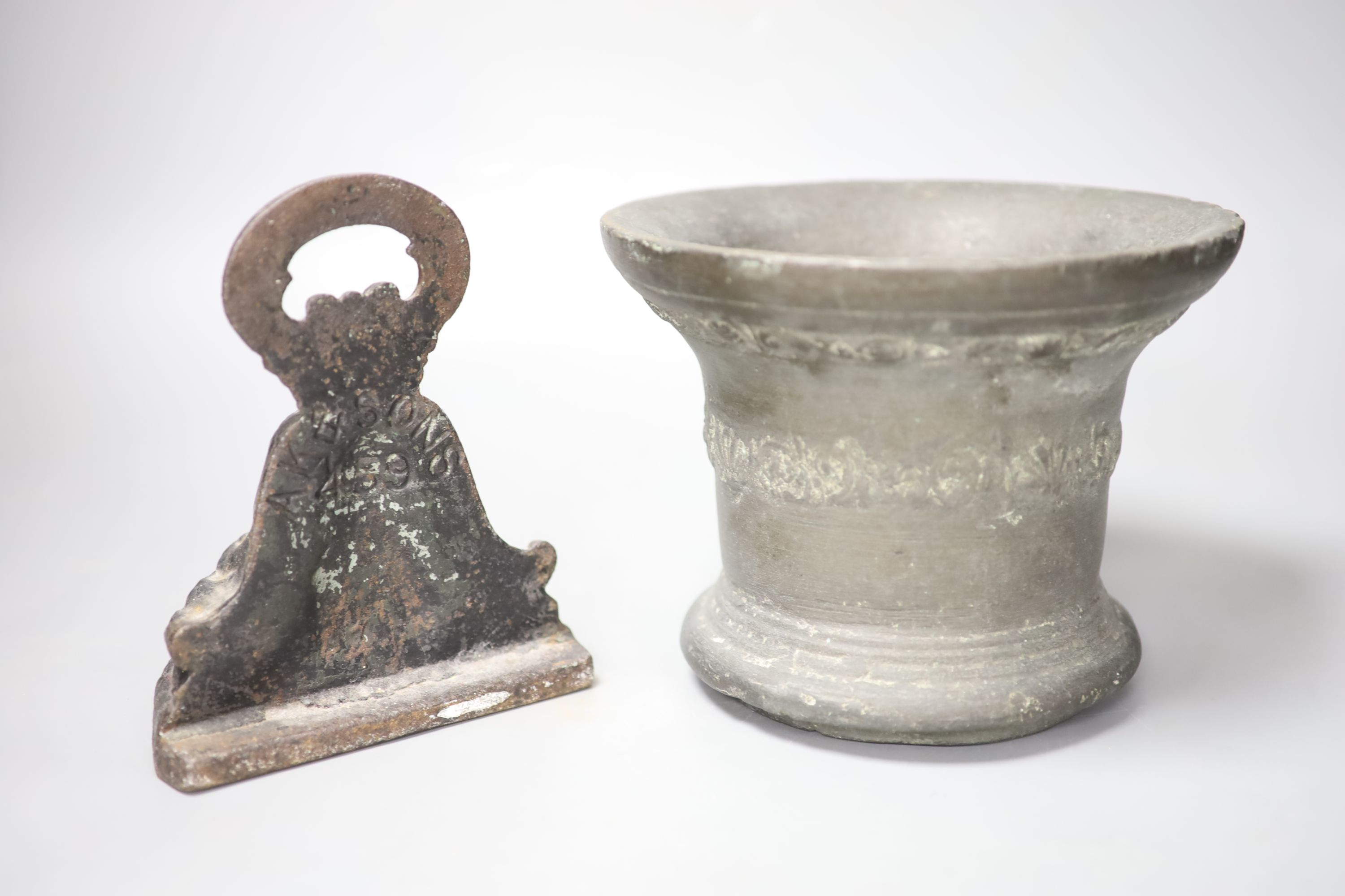 A 16th/17th century bronze mortar, height 16cm, and a cast iron doorstop - Image 2 of 3
