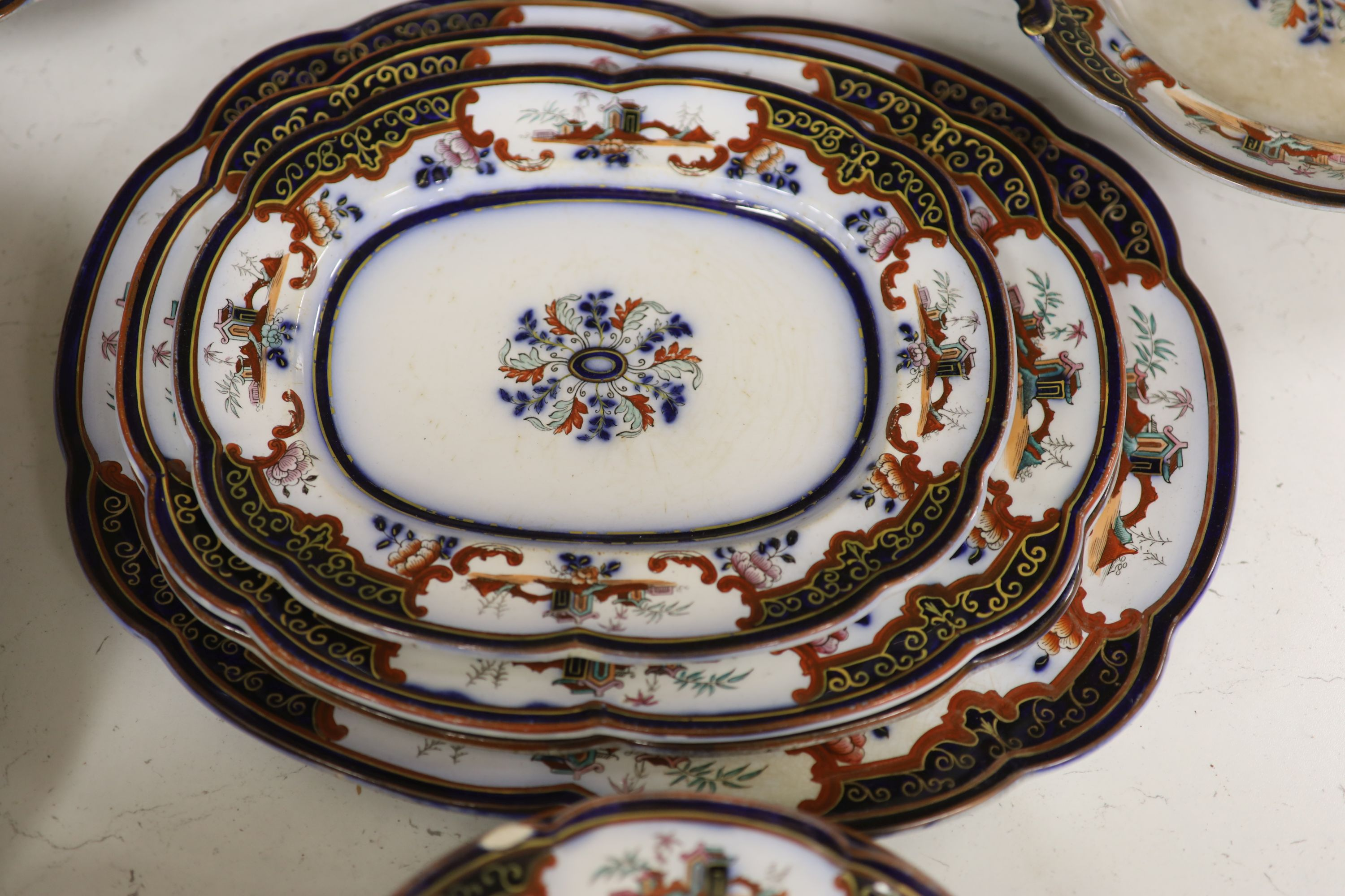 A 19th century earthenware dinner service - Image 7 of 7