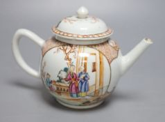 An 18th century Chinese export teapot, Qianlong period, height 15cm