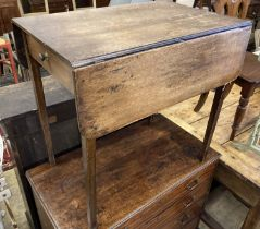 A George III provincial mahogany Pembroke table, with drawer, width 76cm, depth 52cm, height 73cm