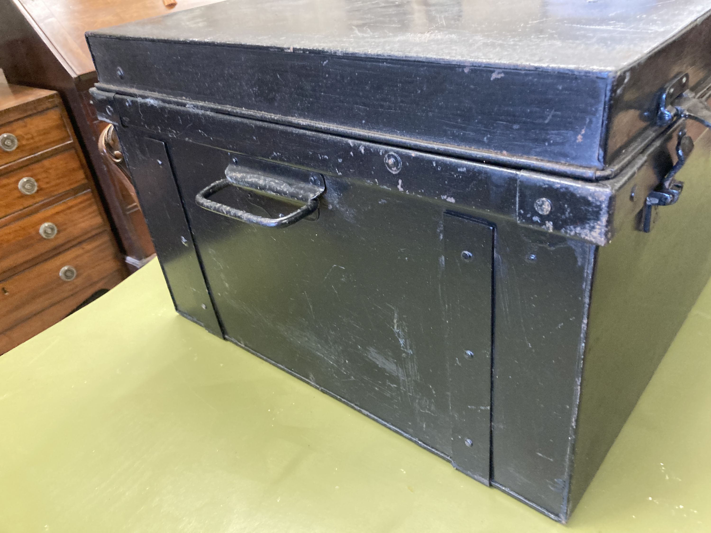 A rectangular painted tin trunk, length 90cm, depth 57cm, height 37cm - Image 3 of 4