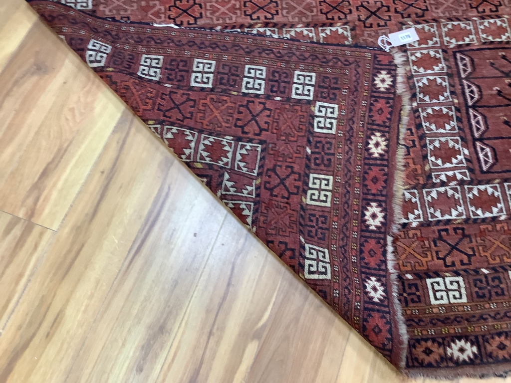 A large Persian rug, 220 x 174cm - Image 2 of 2