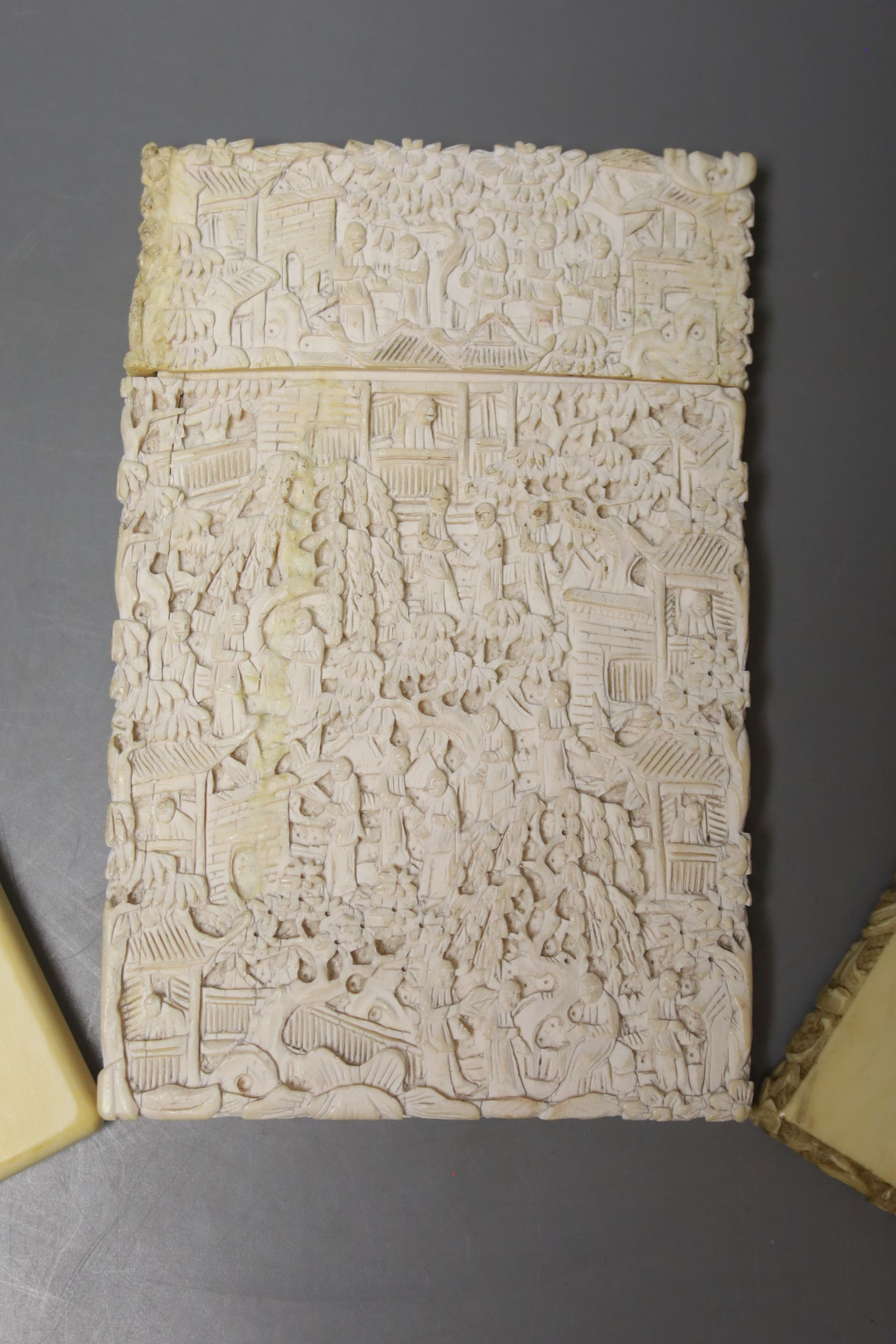Two Chinese carved ivory card cases, largest 12 x 8cm - Image 2 of 3