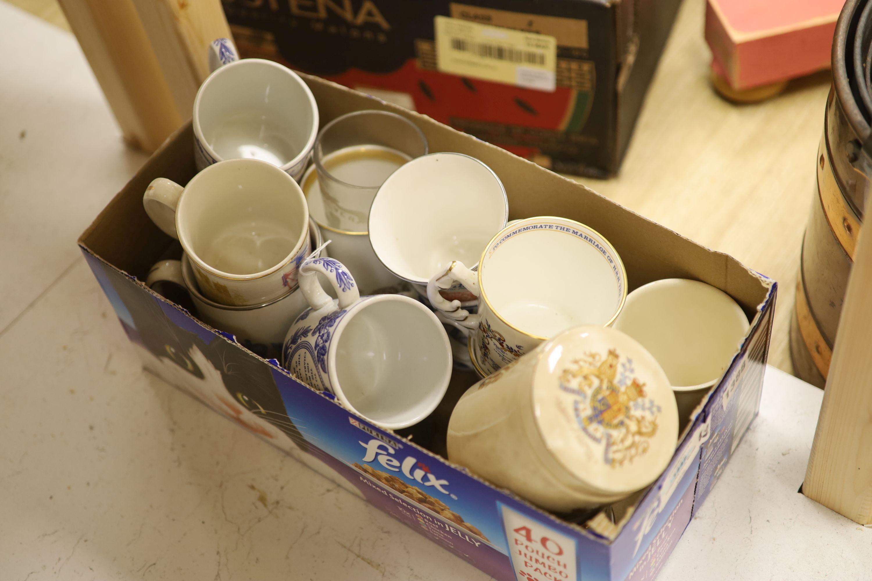 A collection of coronation mugs, Edward VII - Elizabeth II - Image 3 of 3