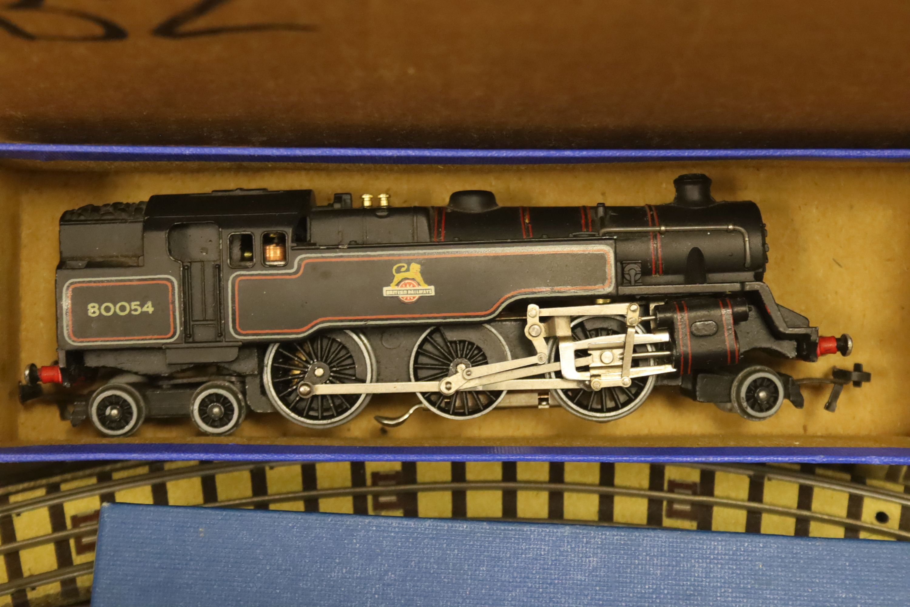 A Hornby Dublo EDG7 tank goods train set, an EDL 18 2-6-4 tank locomotive boxed, one other - Image 2 of 5
