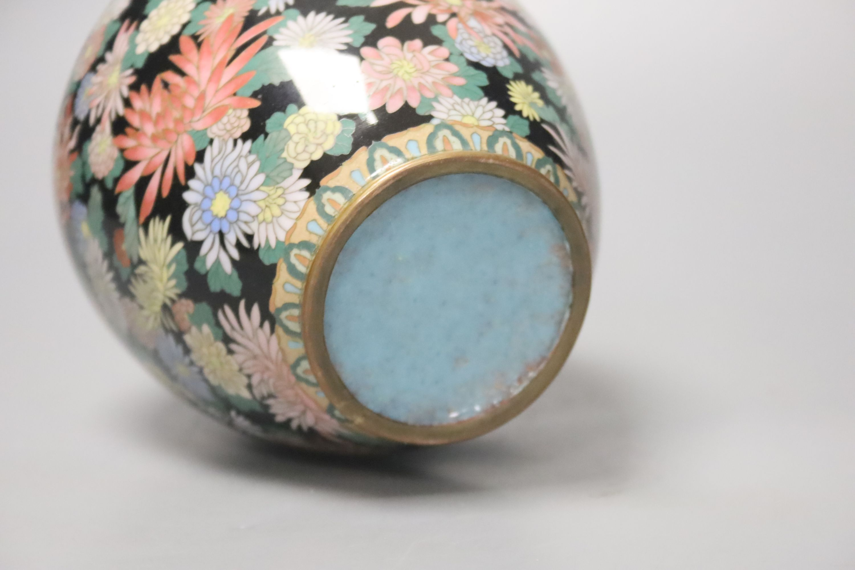 A Japanese silver wire cloisonne vase, decorated with flower heads, possibly Inaba, 16cm high - Image 4 of 4