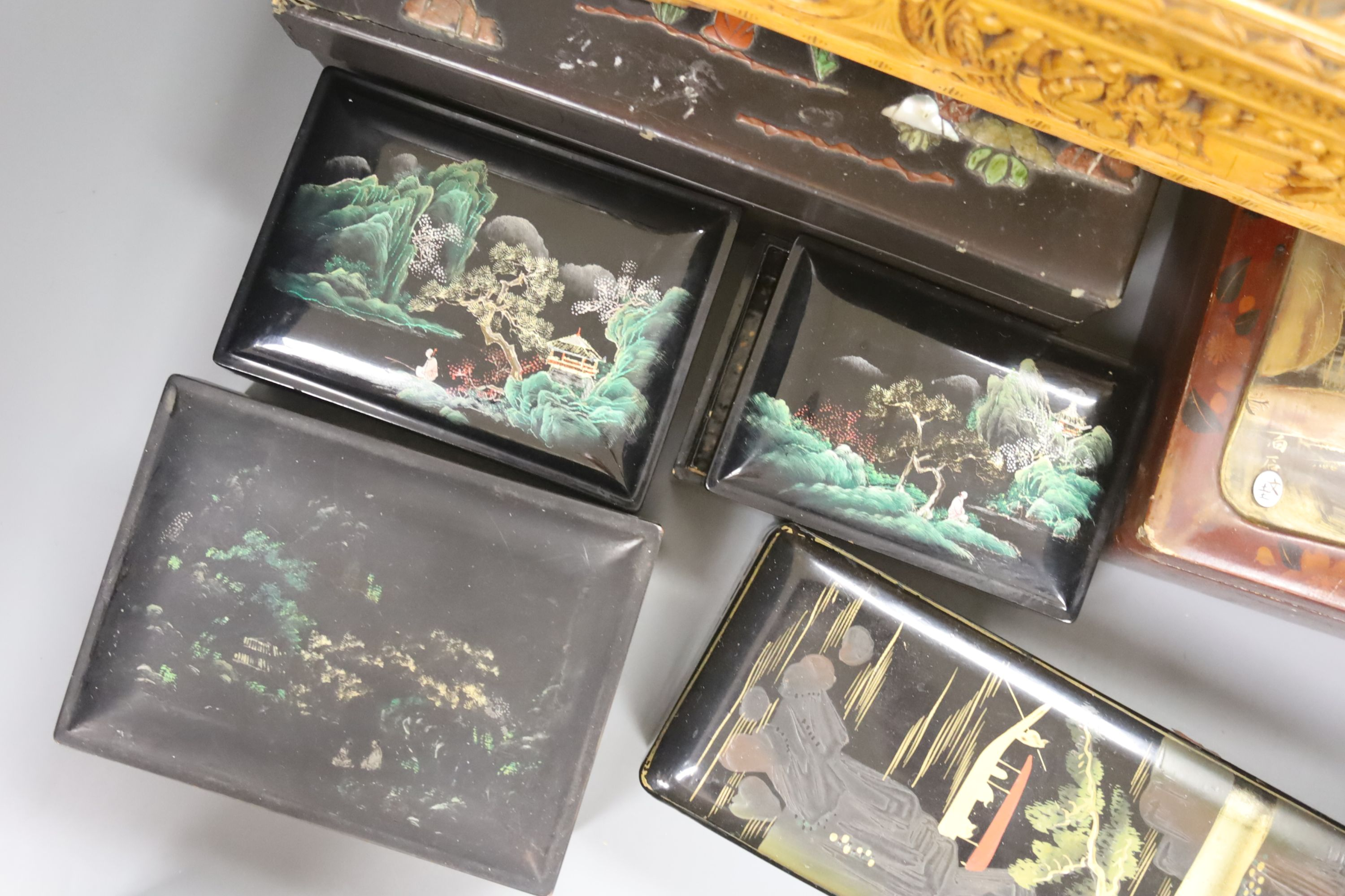 A collection of Chinese lacquered, carved hardwood and other boxes (11) - Image 6 of 9