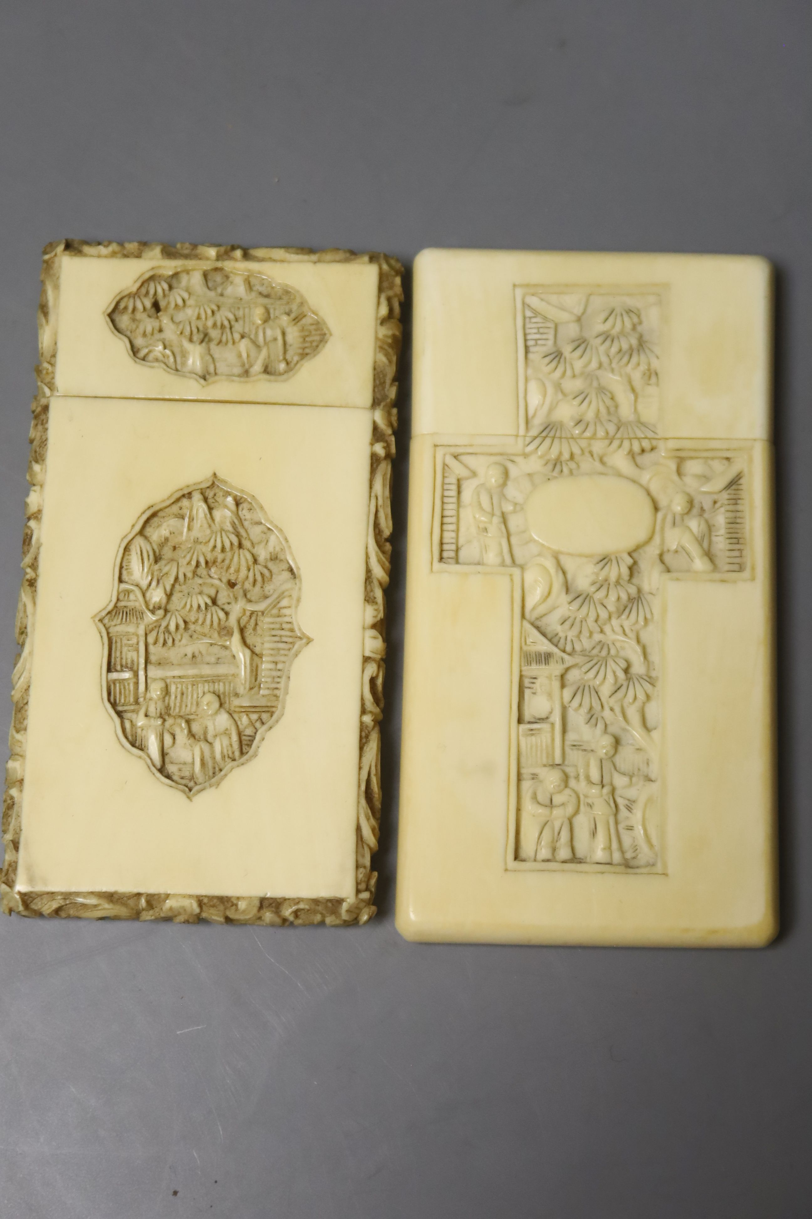 Two Chinese carved ivory card cases, largest 12 x 8cm - Image 3 of 3