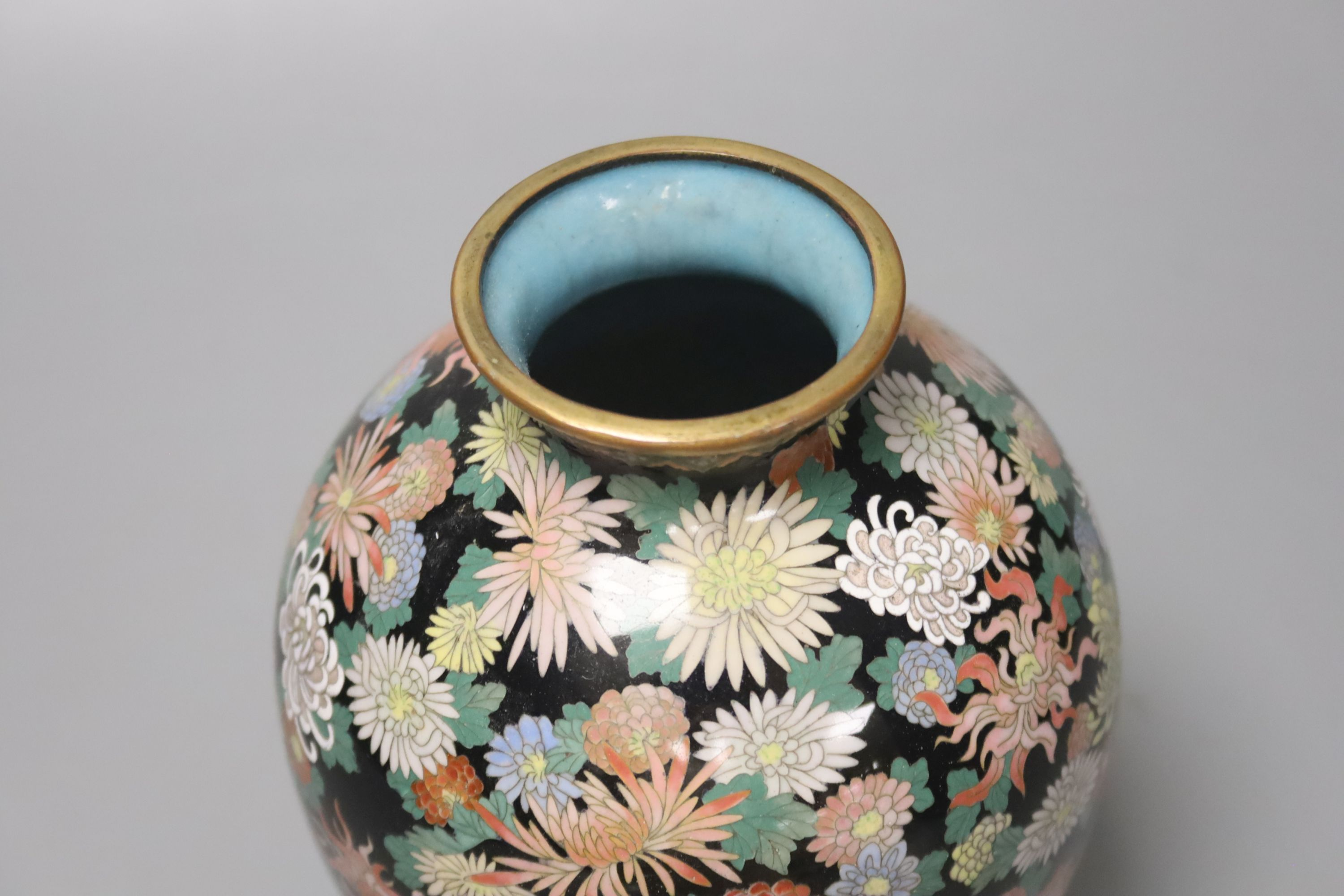 A Japanese silver wire cloisonne vase, decorated with flower heads, possibly Inaba, 16cm high - Image 3 of 4