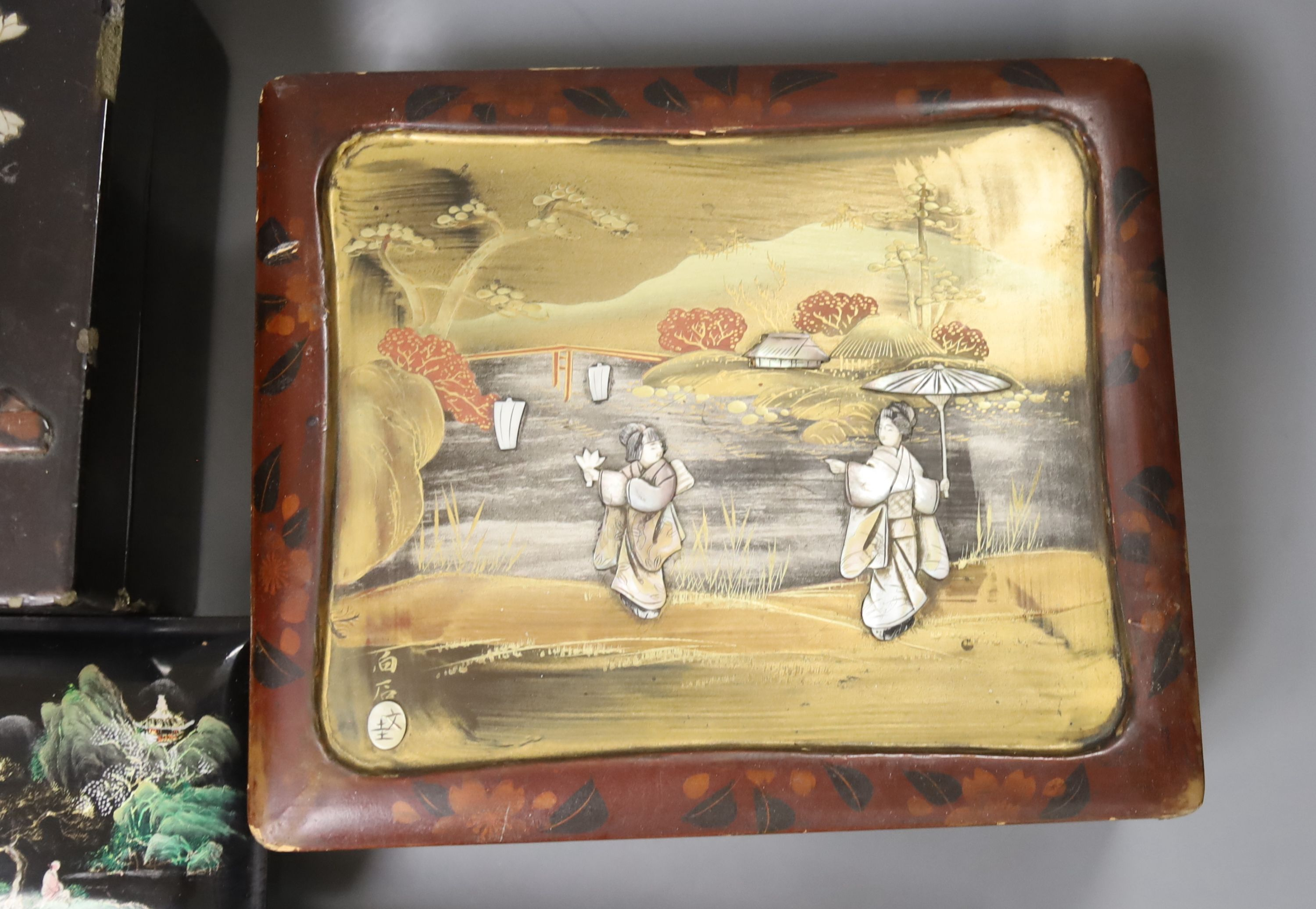 A collection of Chinese lacquered, carved hardwood and other boxes (11) - Image 9 of 9