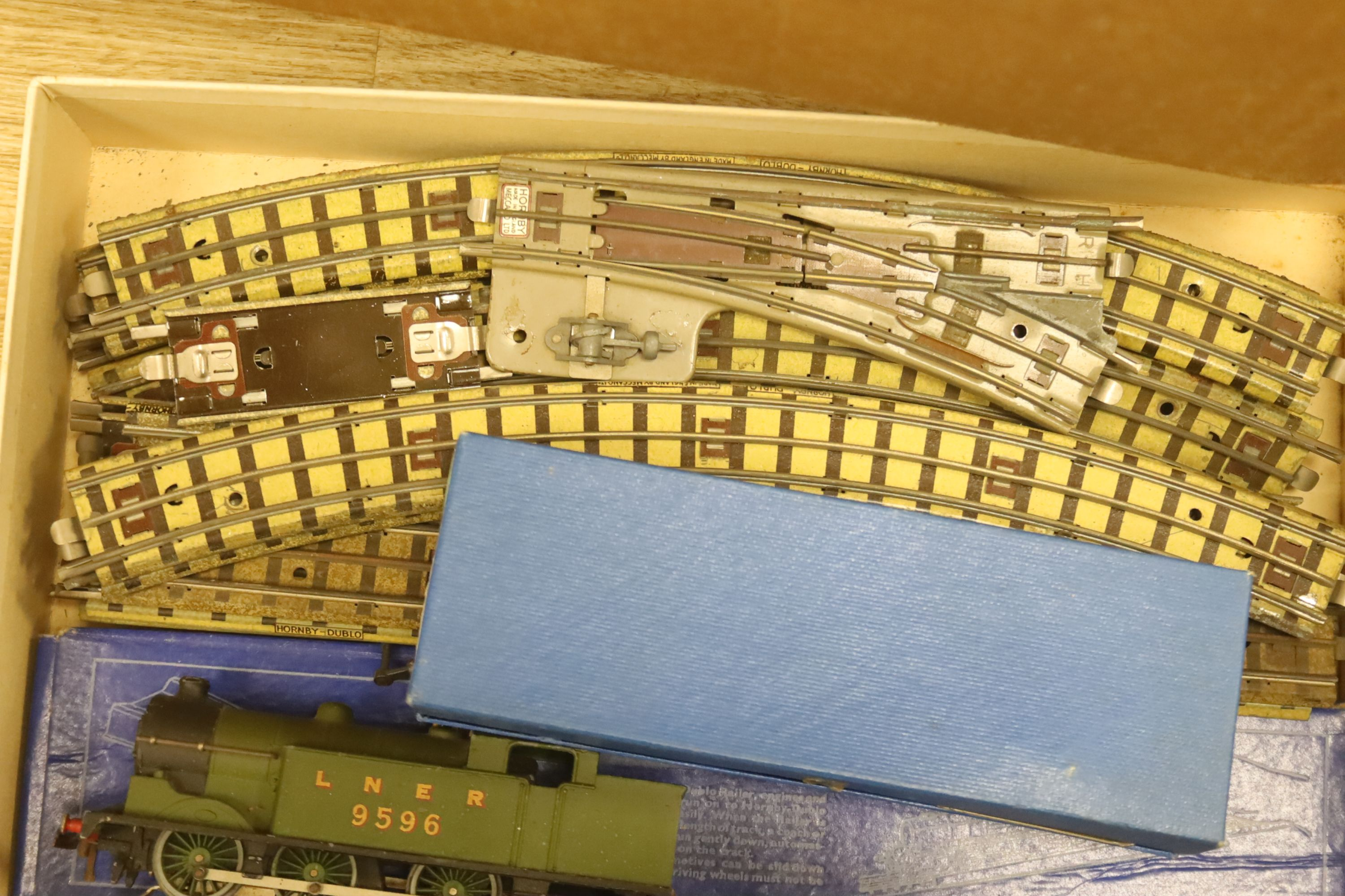 A Hornby Dublo EDG7 tank goods train set, an EDL 18 2-6-4 tank locomotive boxed, one other - Image 5 of 5