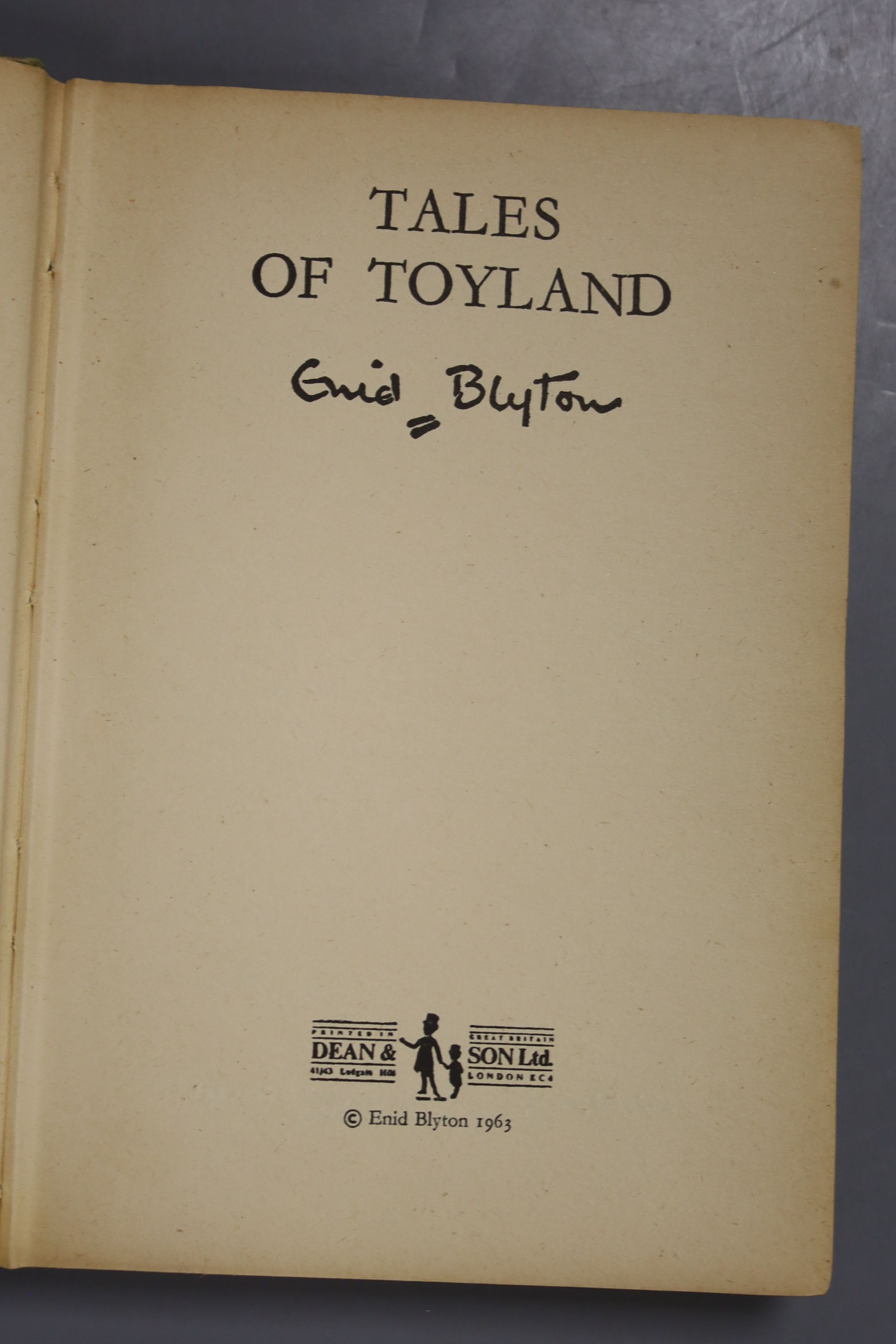 Johns, Capt W.W – Biggles In Australia, first edition, 16mo, hardback, (dj missing, spine sunned) - Image 8 of 10