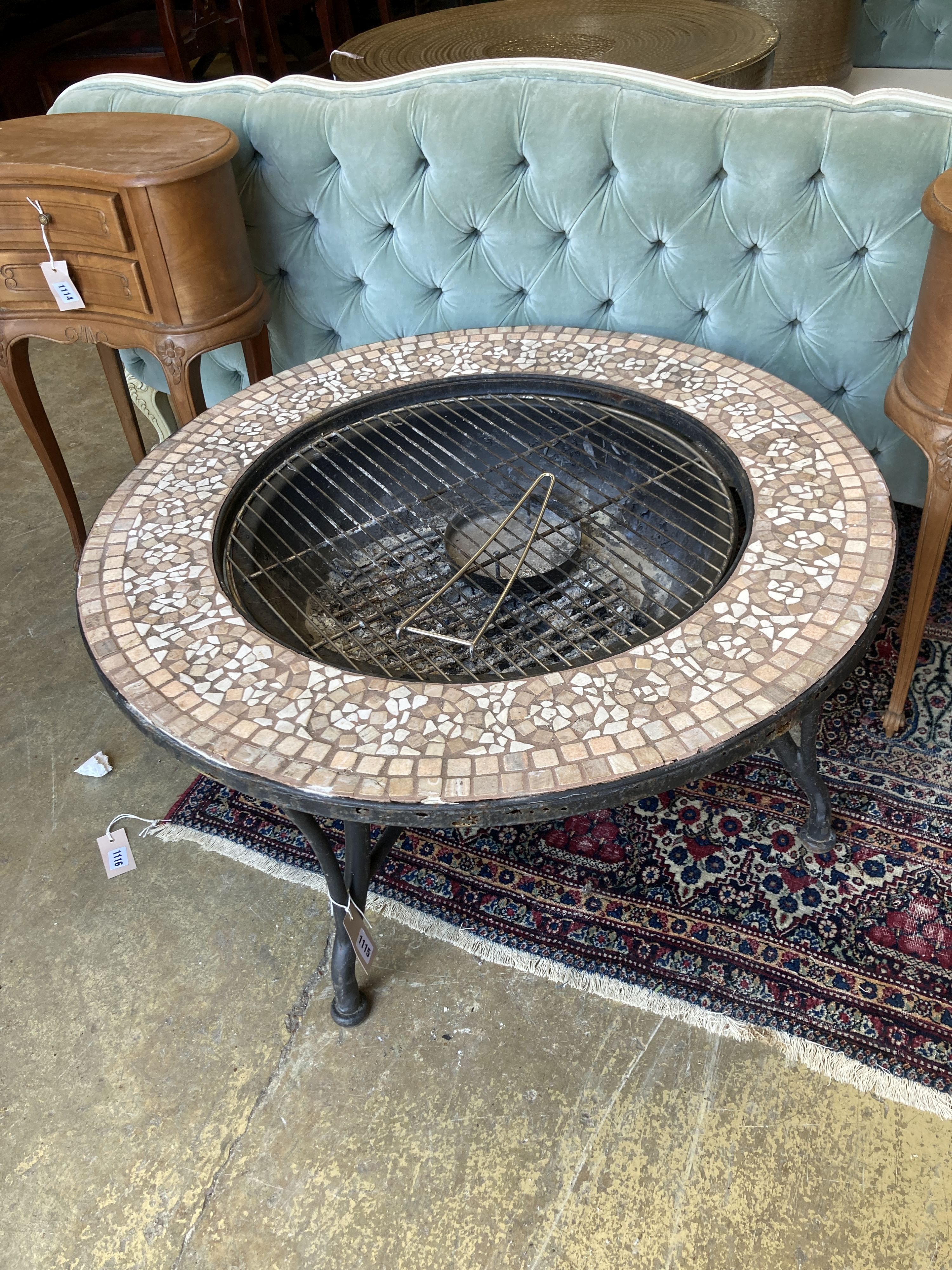 A mosaic top firepit - Image 2 of 4