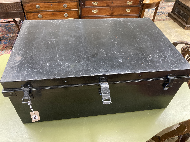 A rectangular painted tin trunk, length 90cm, depth 57cm, height 37cm - Image 2 of 4