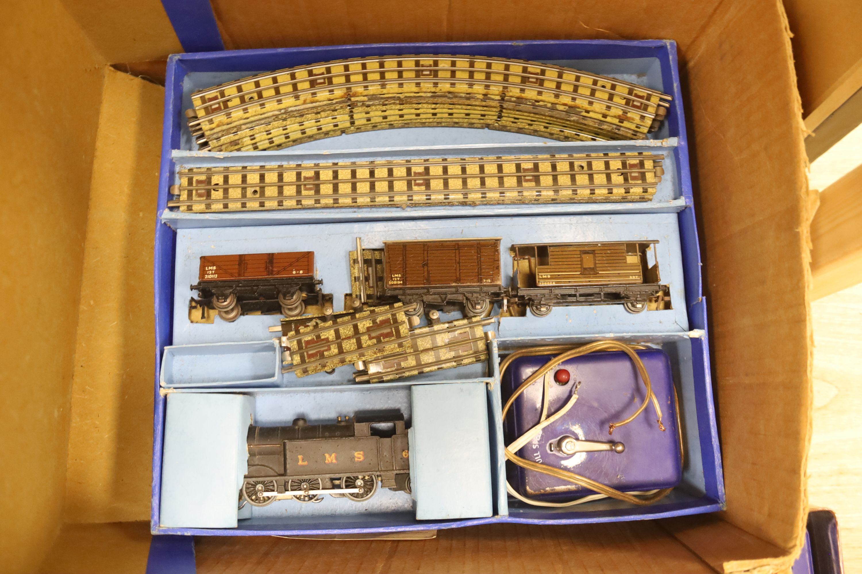 A Hornby Dublo EDG7 tank goods train set, an EDL 18 2-6-4 tank locomotive boxed, one other - Image 3 of 5