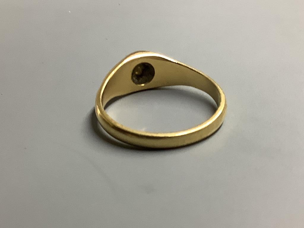 A yellow metal and claw set solitaire diamond ring, size P/Q gross 4.8 g. - Image 2 of 2