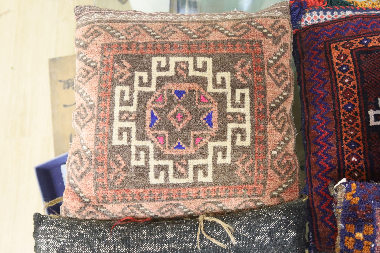 Four Kelim cushions - Image 3 of 6