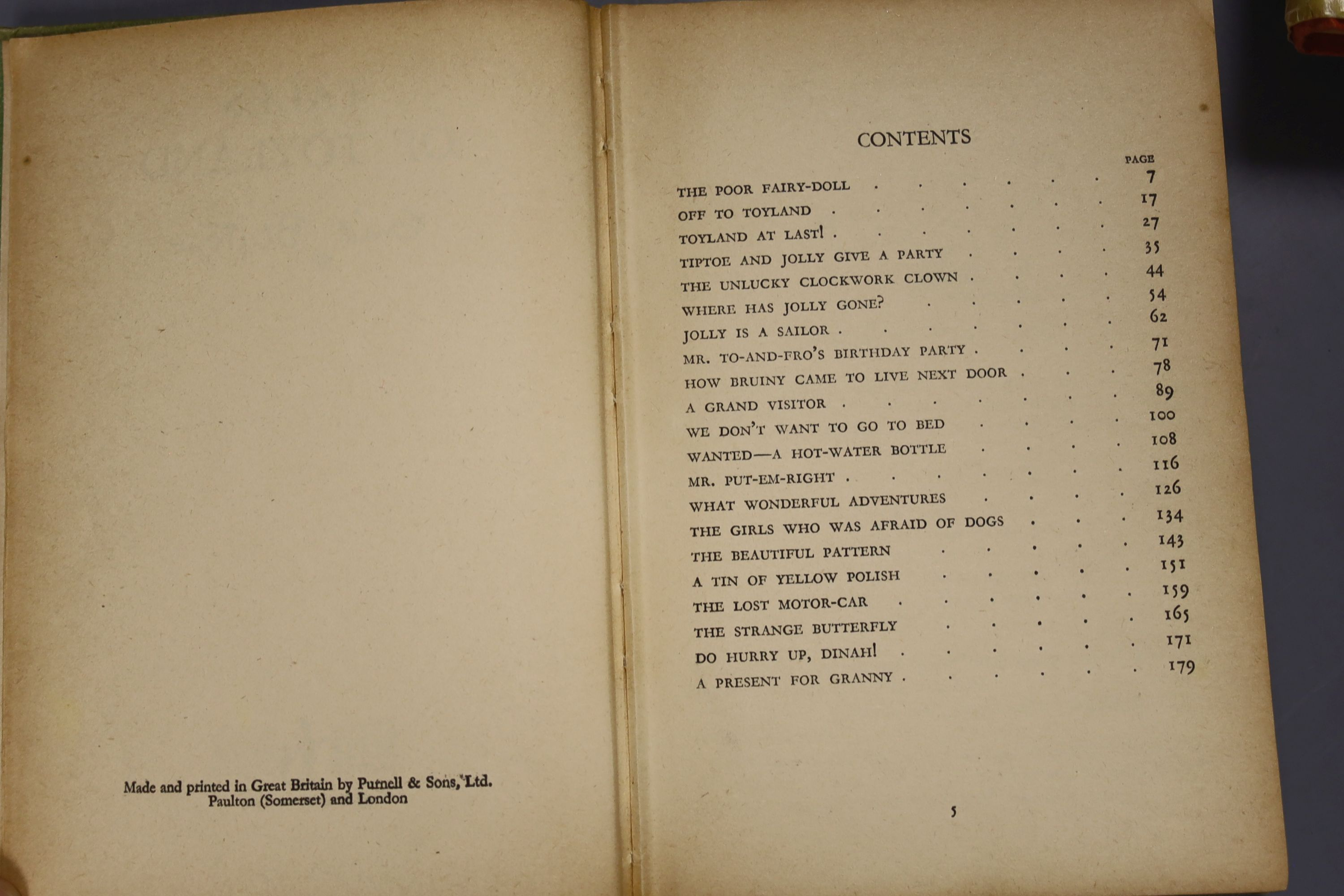 Johns, Capt W.W – Biggles In Australia, first edition, 16mo, hardback, (dj missing, spine sunned) - Image 9 of 10