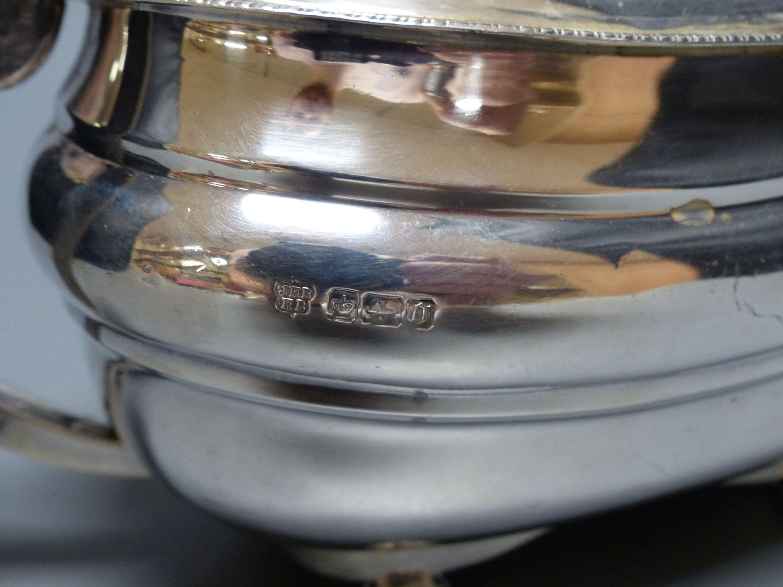 An Edwardian silver teapot, Z. Barraclough & Sons, Sheffield, 1908, gross 23.5oz. - Image 3 of 3