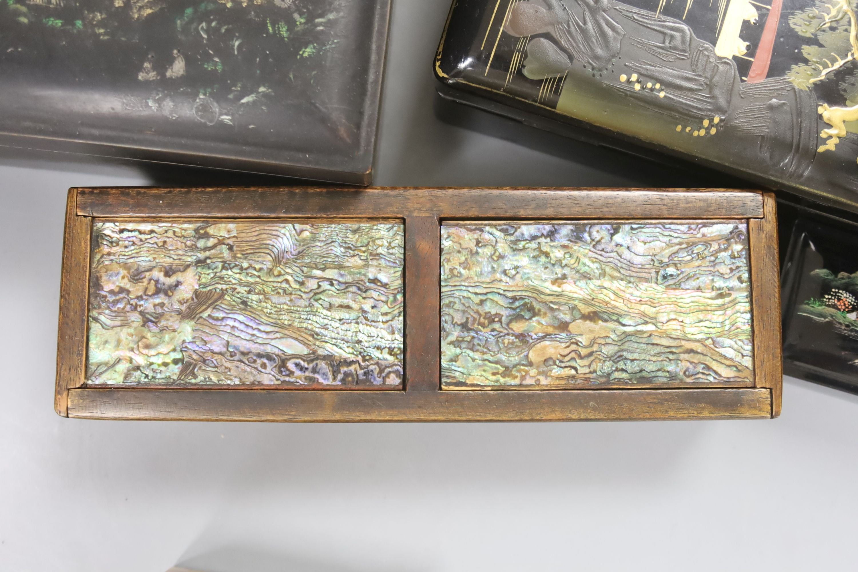 A collection of Chinese lacquered, carved hardwood and other boxes (11) - Image 2 of 9