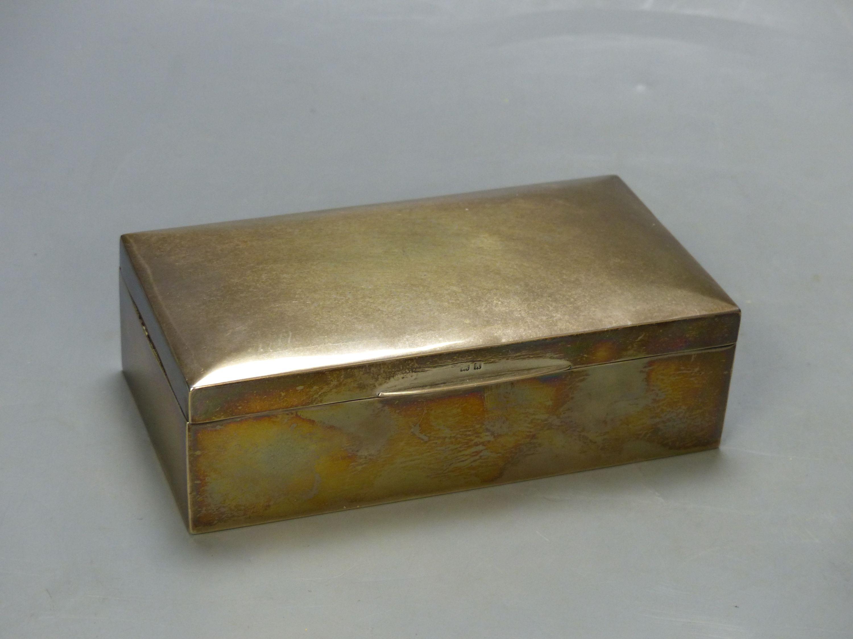 A George V silver mounted rectangular cigarette box, Birmingham, 1925, 16.6cm. - Image 2 of 6