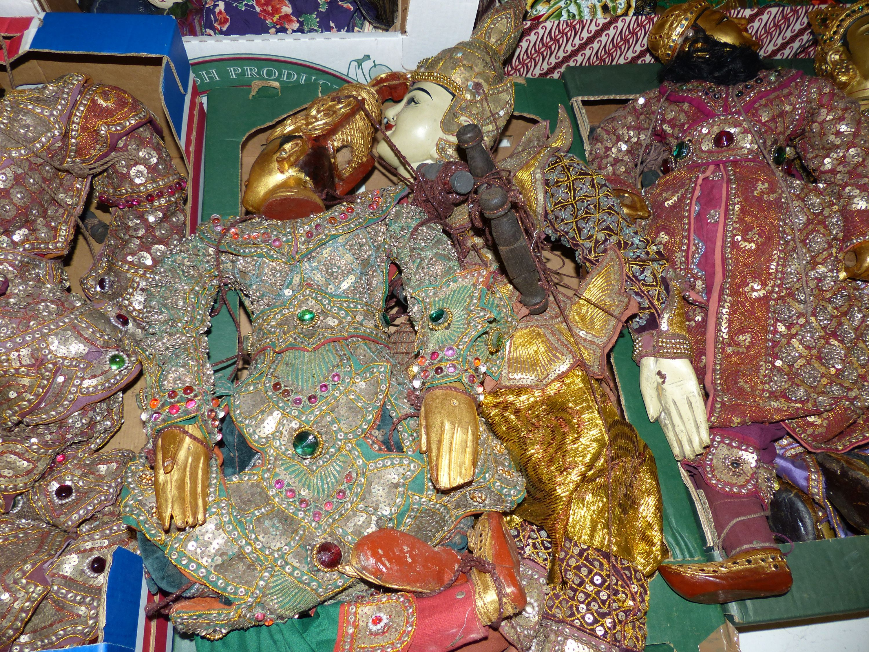 A quantity of Indonesian marionettes - Image 4 of 5