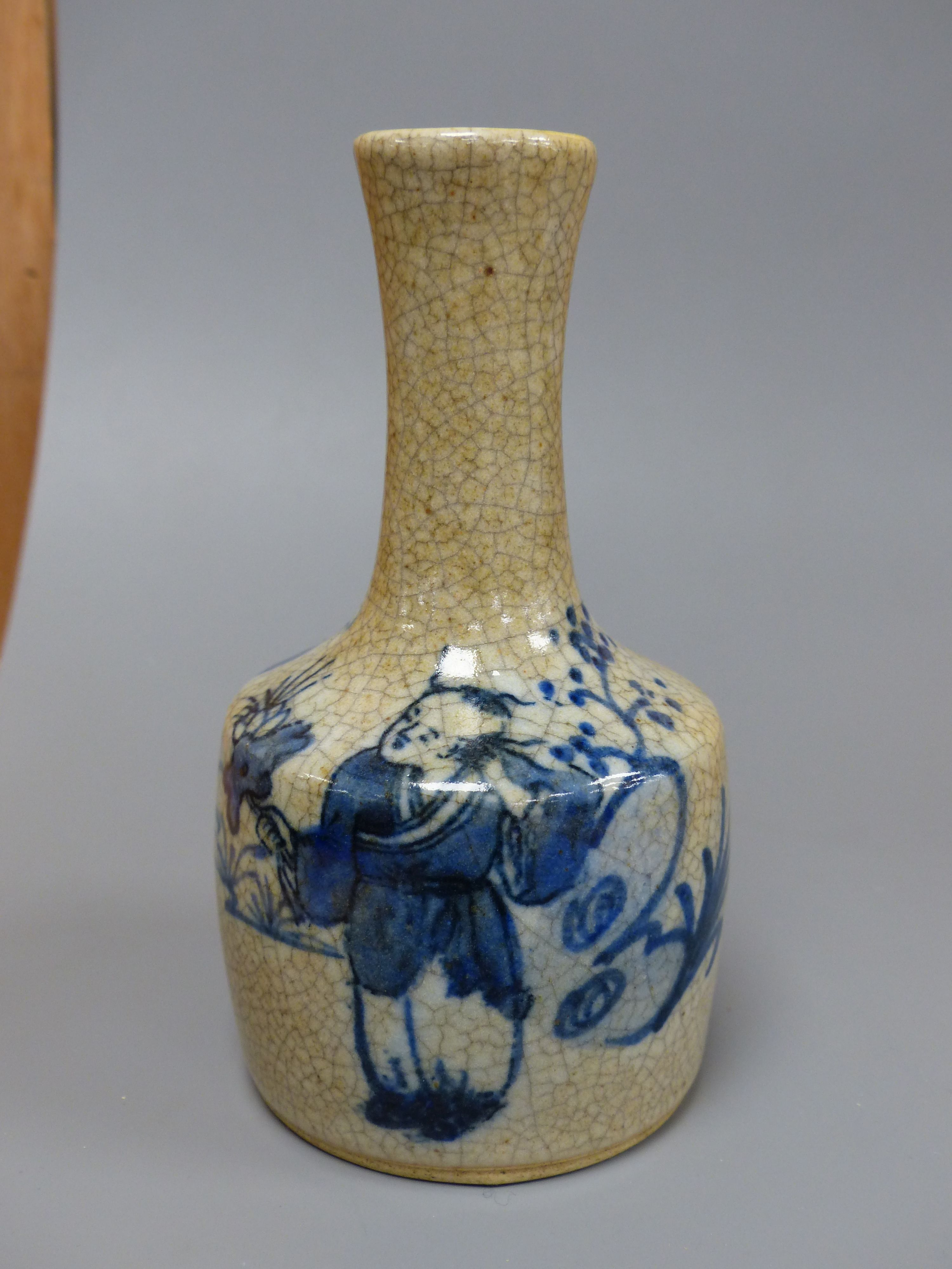 A Chinese blue and white crackle glaze bottle vase, height 15cm - Image 5 of 6