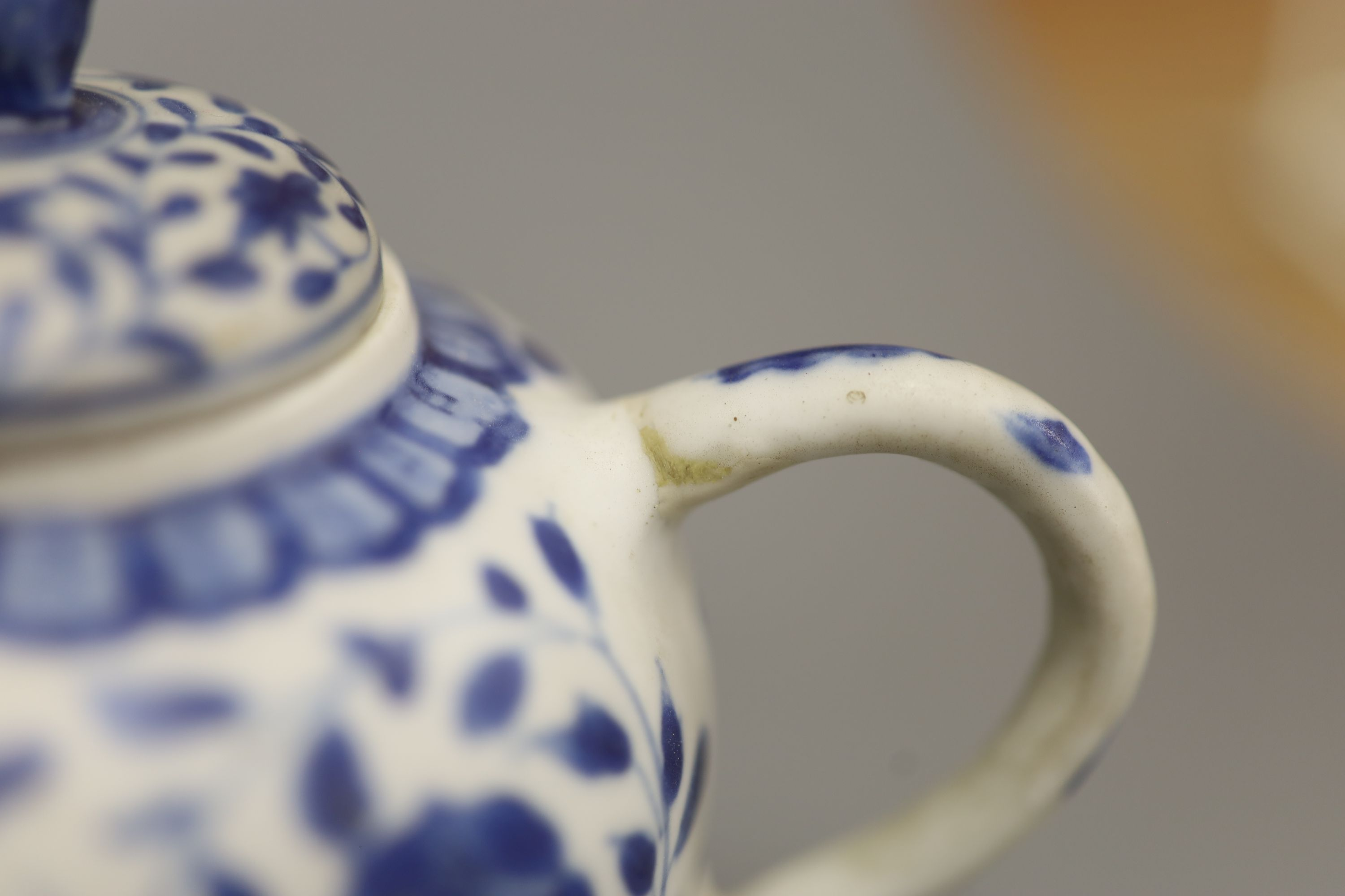 A Chinese Vungtao cargo blue and white mustard pot and cover, height 9cm - Image 5 of 7