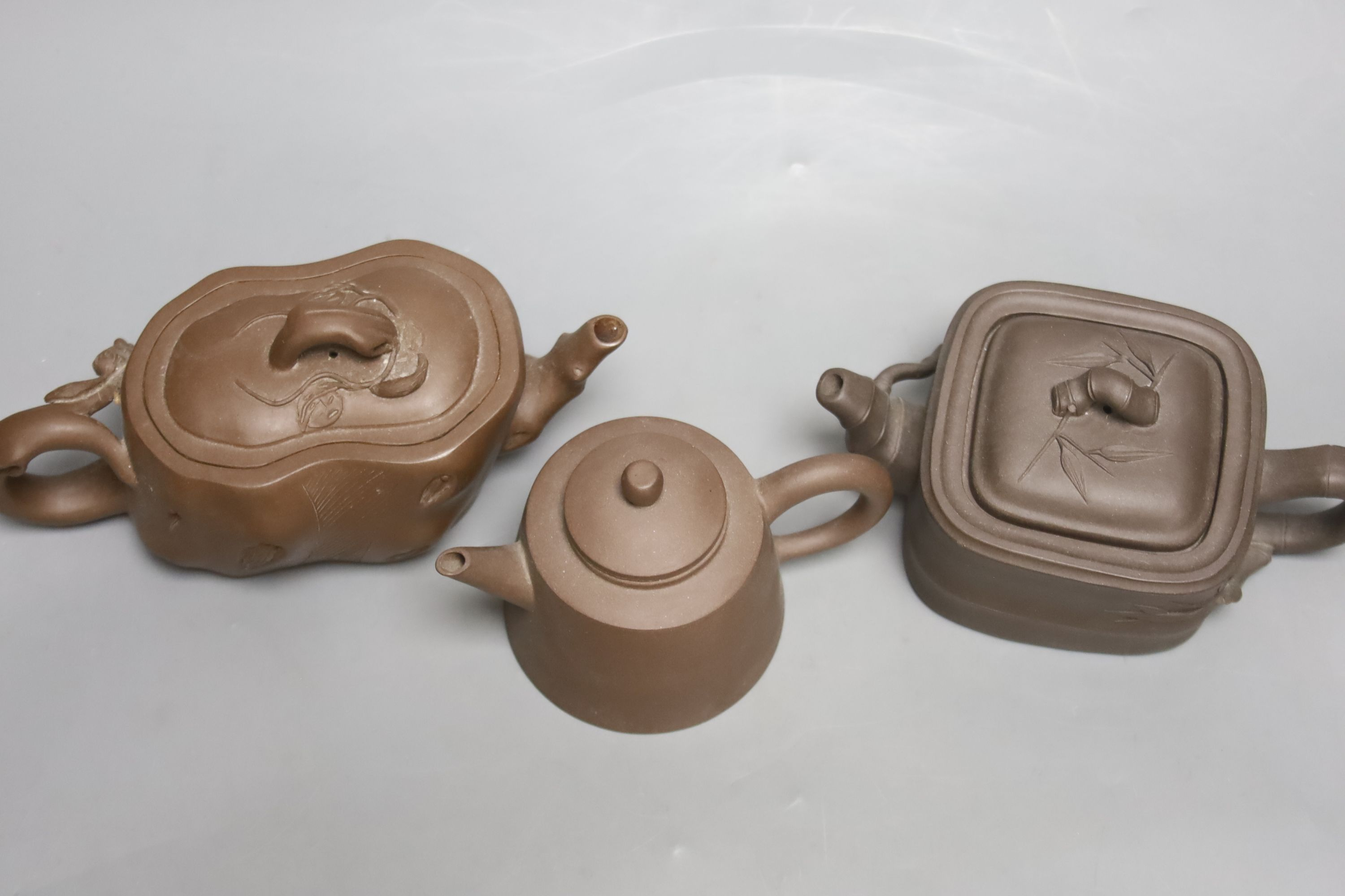 Three Chinese Yixing teapots - Image 3 of 4