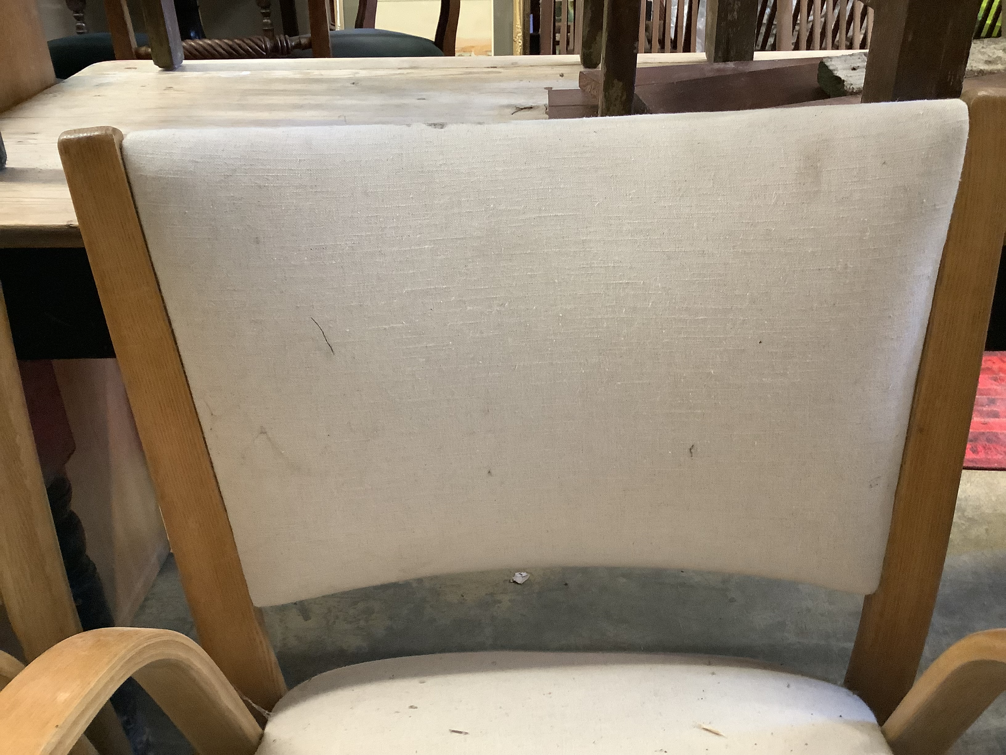 A pair of mid century elbow chairs - Image 3 of 4
