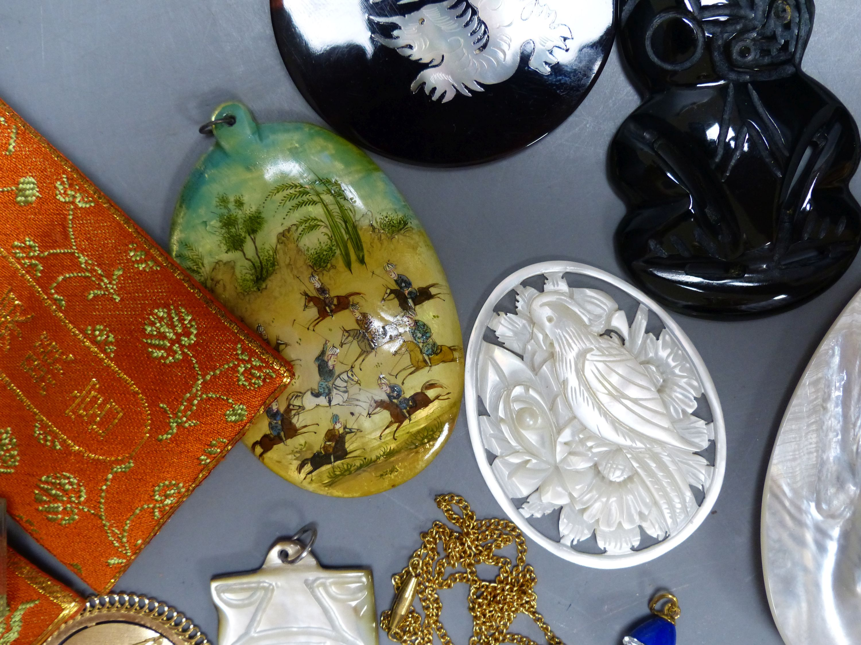 Miscellaneous decorative items, including a Mughal oval miniature on mother of pearl of polo - Image 4 of 5