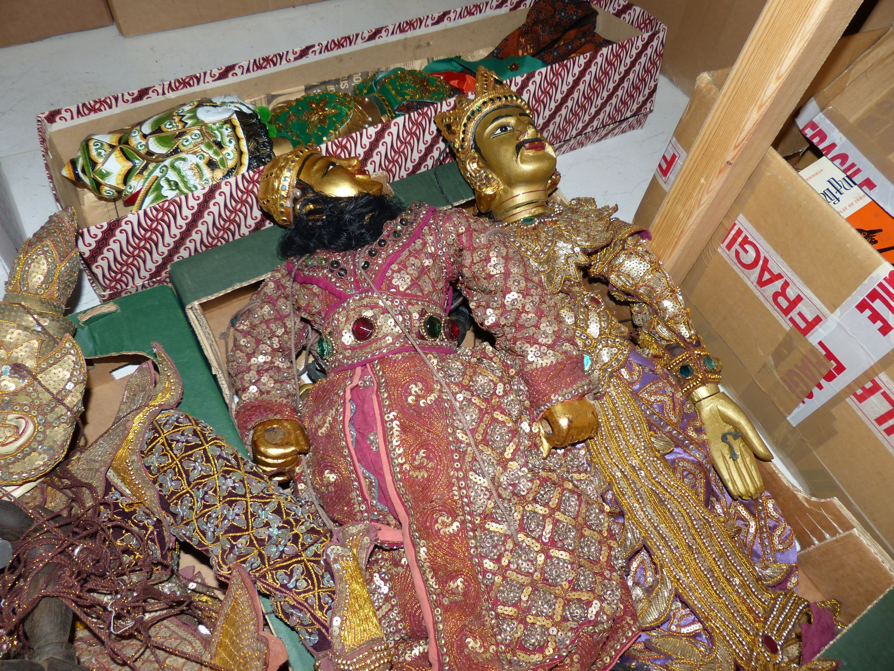 A quantity of Indonesian marionettes - Image 5 of 5