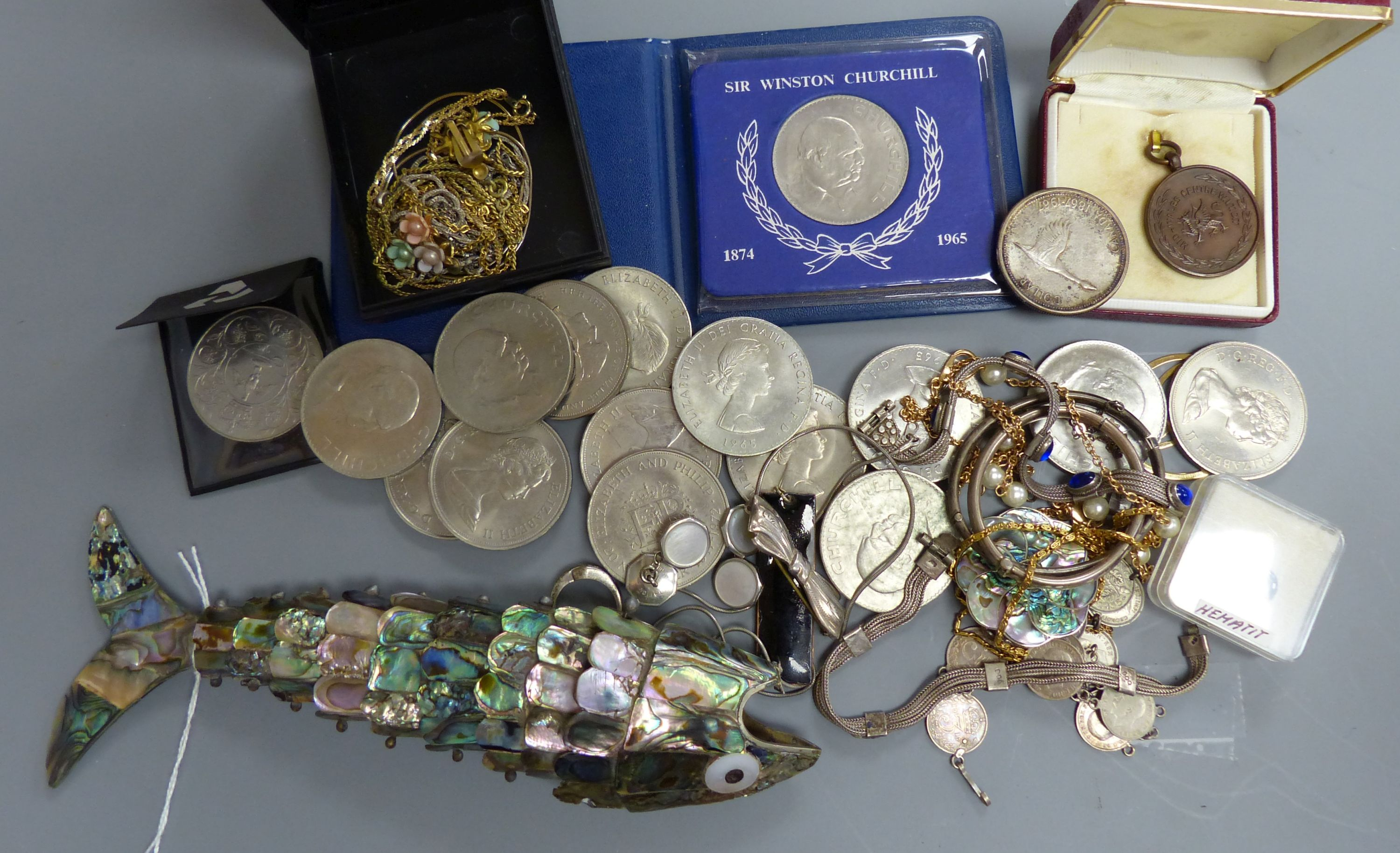A quantity of mixed costume jewellery, an articulated fish, coins etc - Image 2 of 5