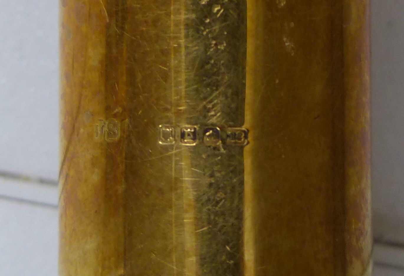 Art Art Deco walking stick with amber-coloured Bakelite handle and 18ct gold band, length 81cm - Image 4 of 4