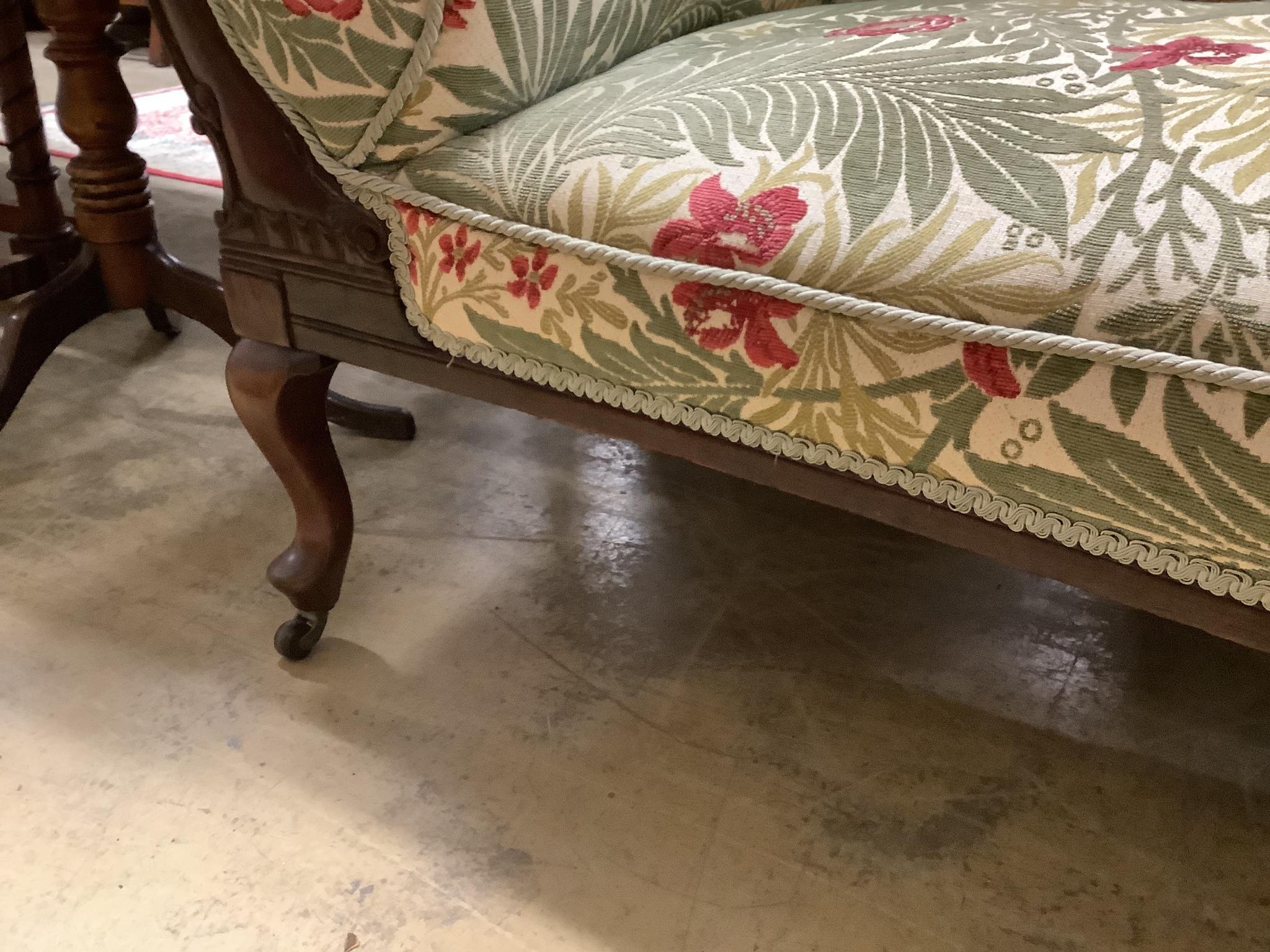 A Victorian mahogany chaise longue - Image 3 of 3