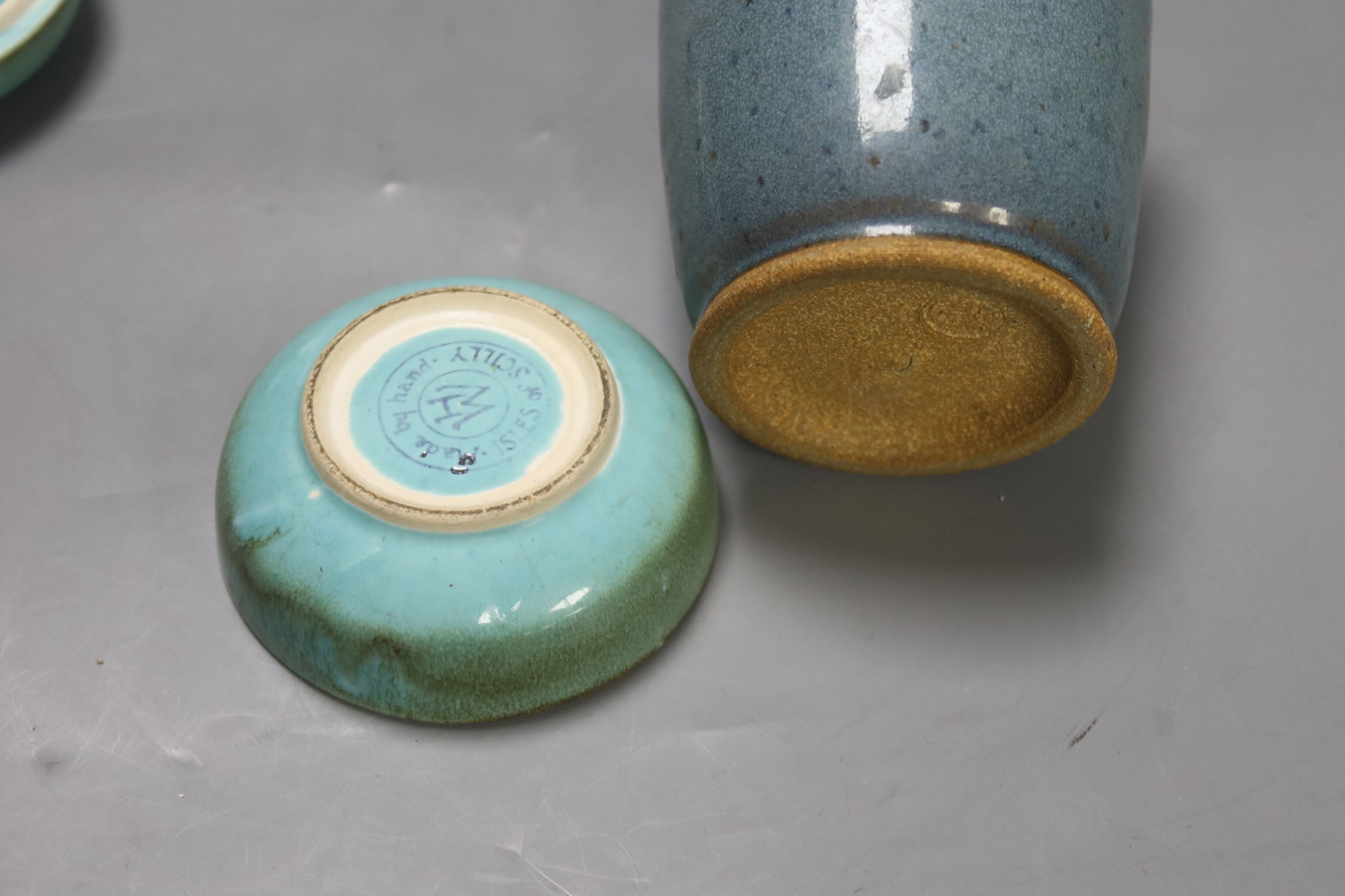 A robin's-egg glazed Studio pottery vase, height 11.5cm, and a box - Image 4 of 4