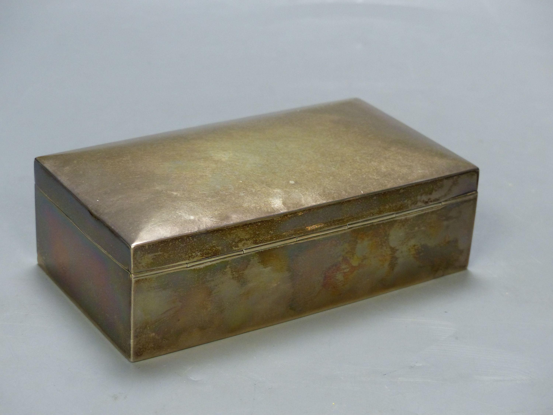 A George V silver mounted rectangular cigarette box, Birmingham, 1925, 16.6cm. - Image 3 of 6