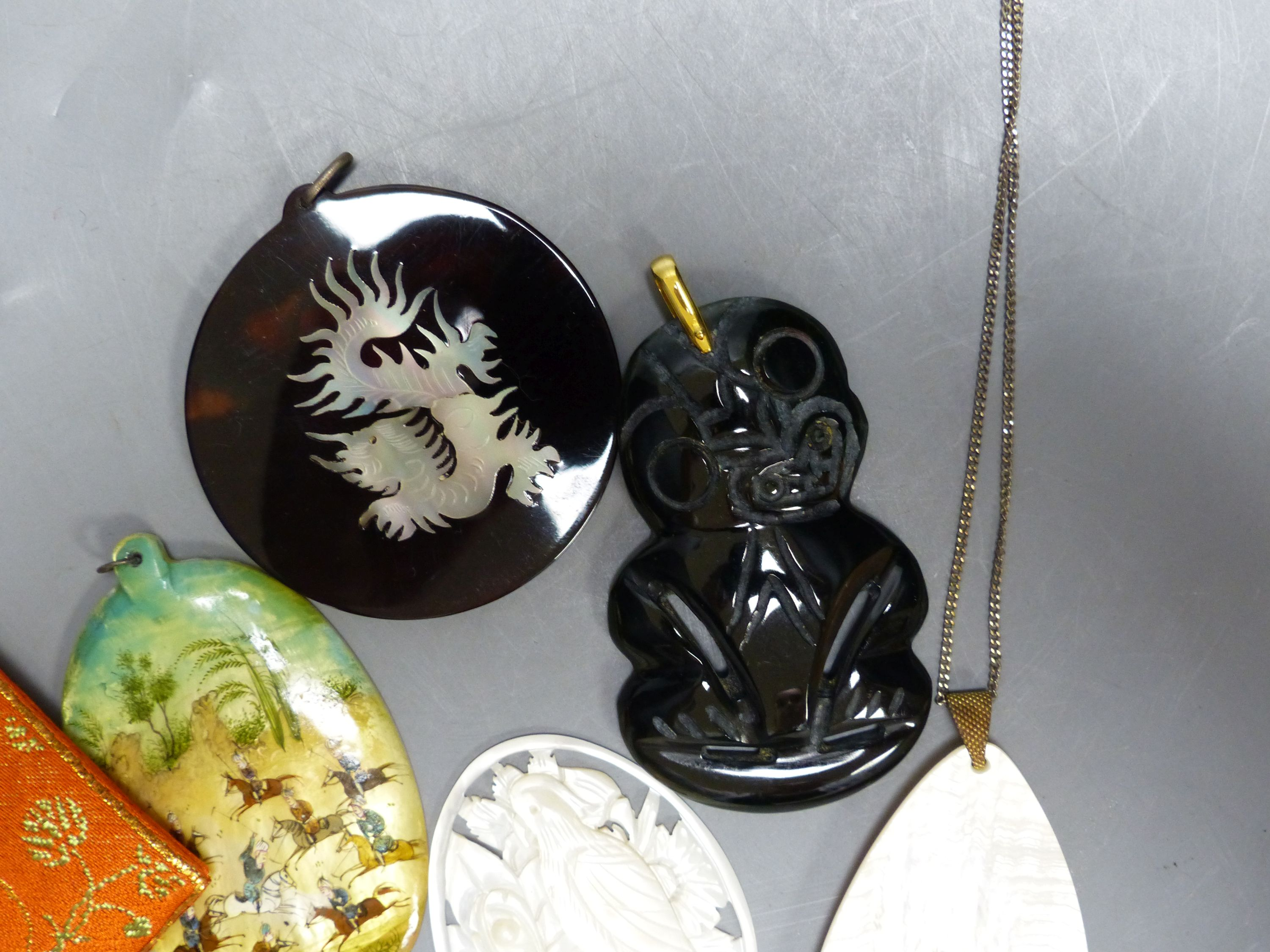 Miscellaneous decorative items, including a Mughal oval miniature on mother of pearl of polo - Image 5 of 5